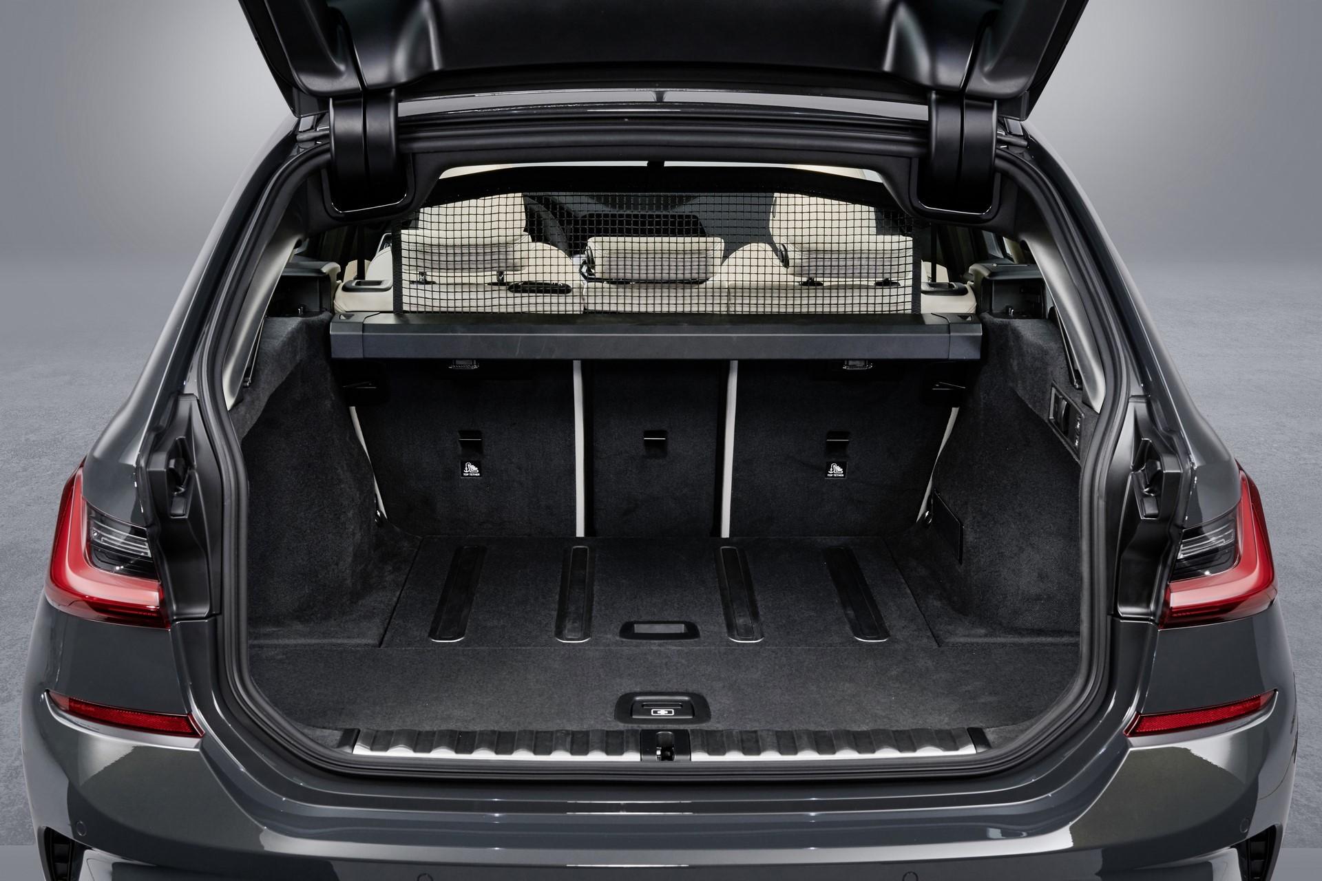 BMW-3-Series-Touring-2019-134