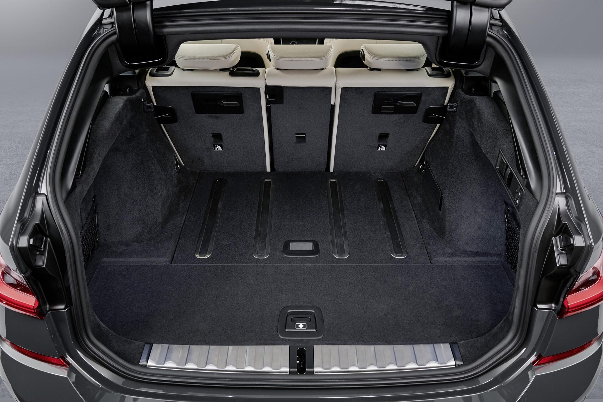 BMW-3-Series-Touring-2019-135
