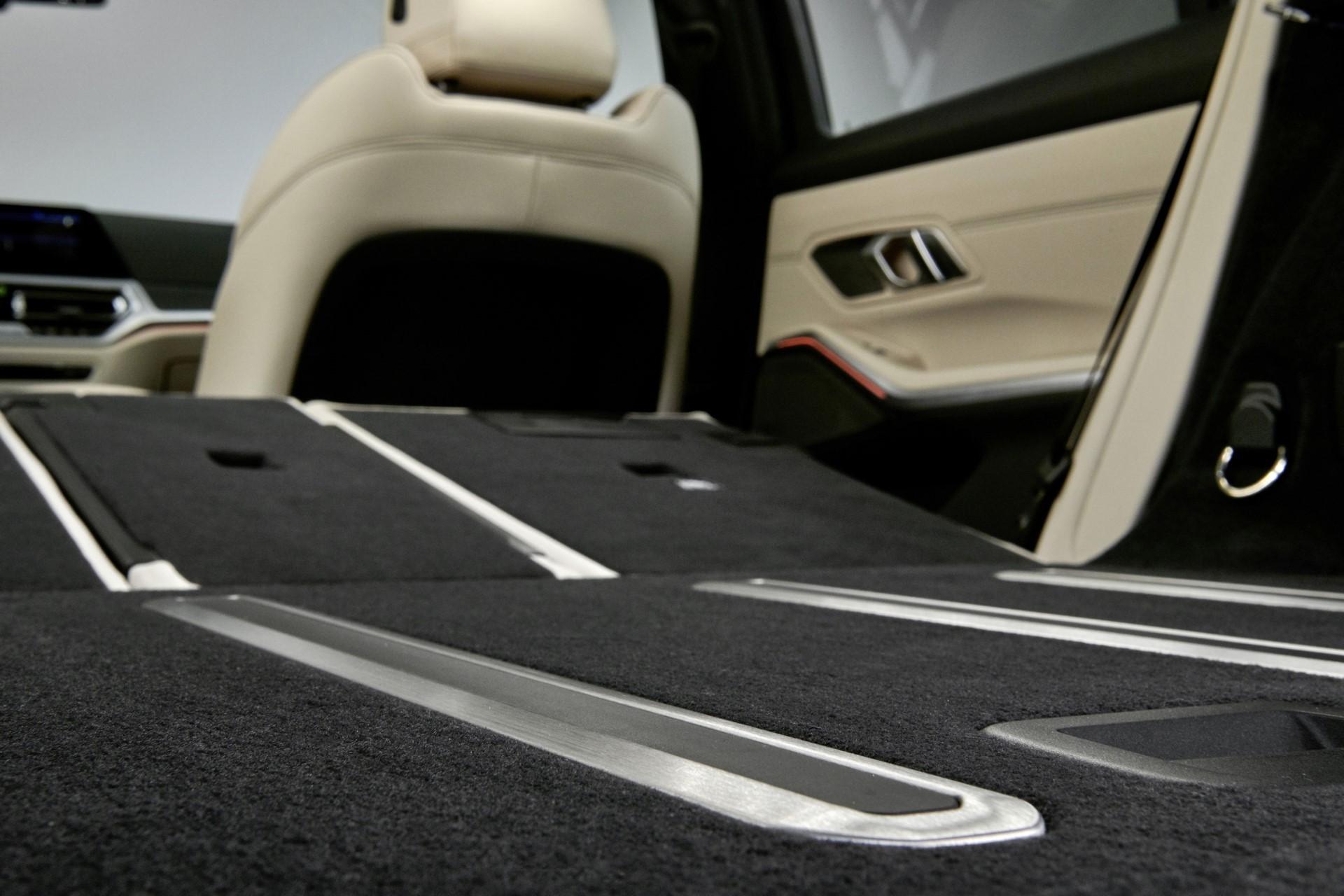 BMW-3-Series-Touring-2019-138