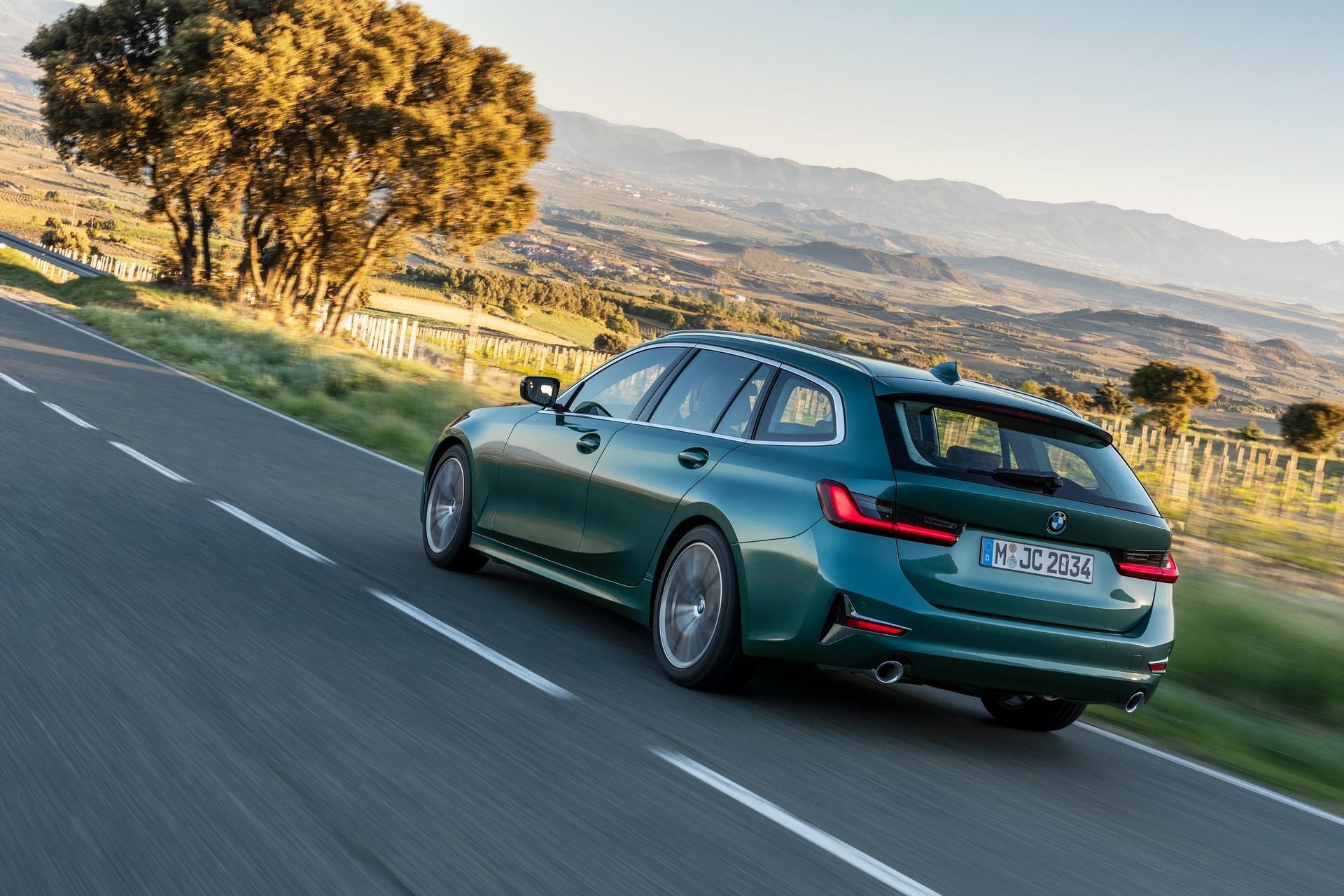 BMW-3-Series-Touring-2019-14