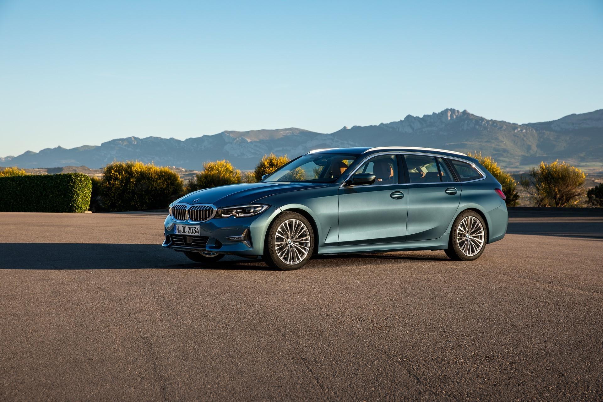 BMW-3-Series-Touring-2019-25