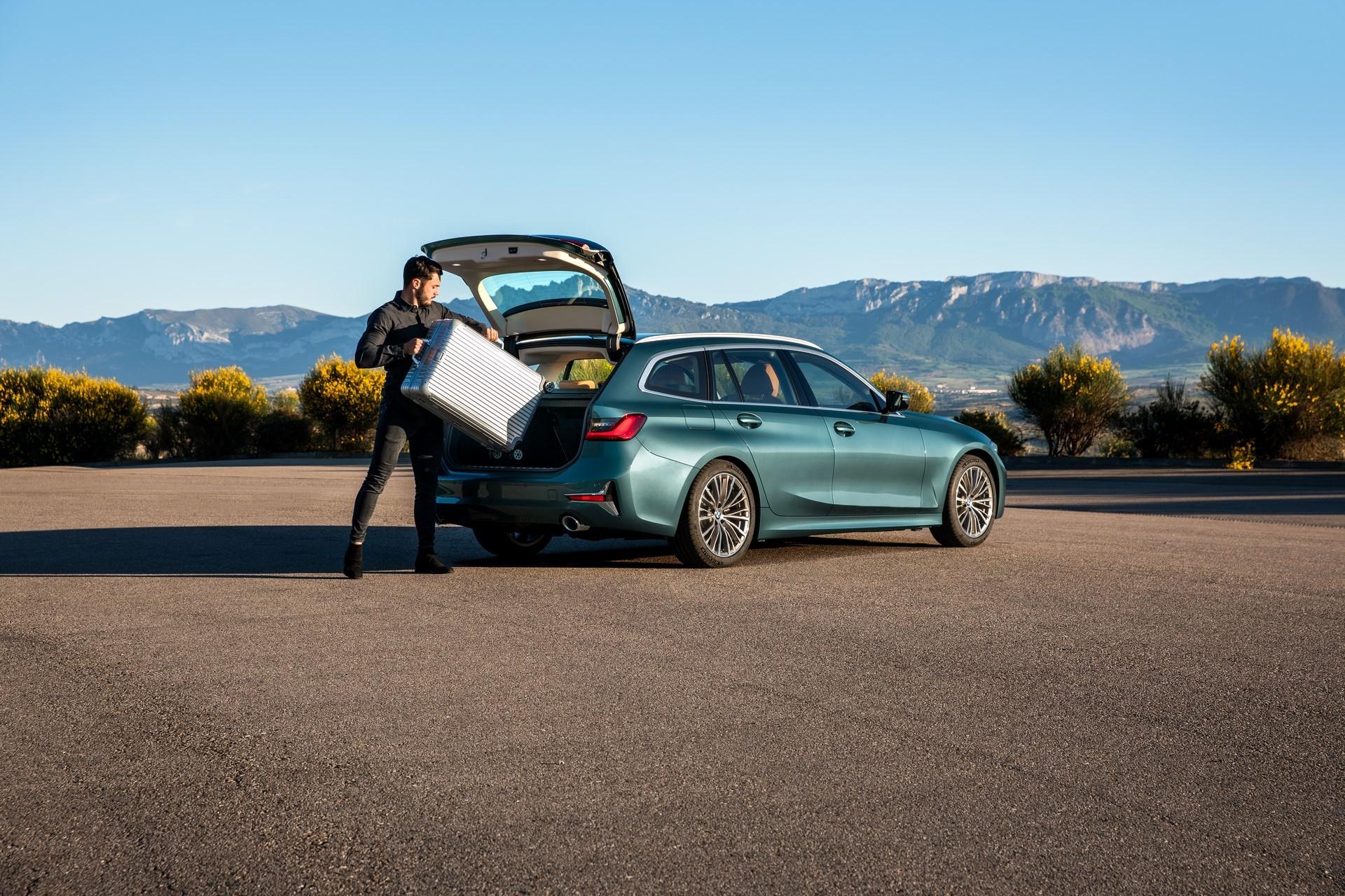 BMW-3-Series-Touring-2019-27