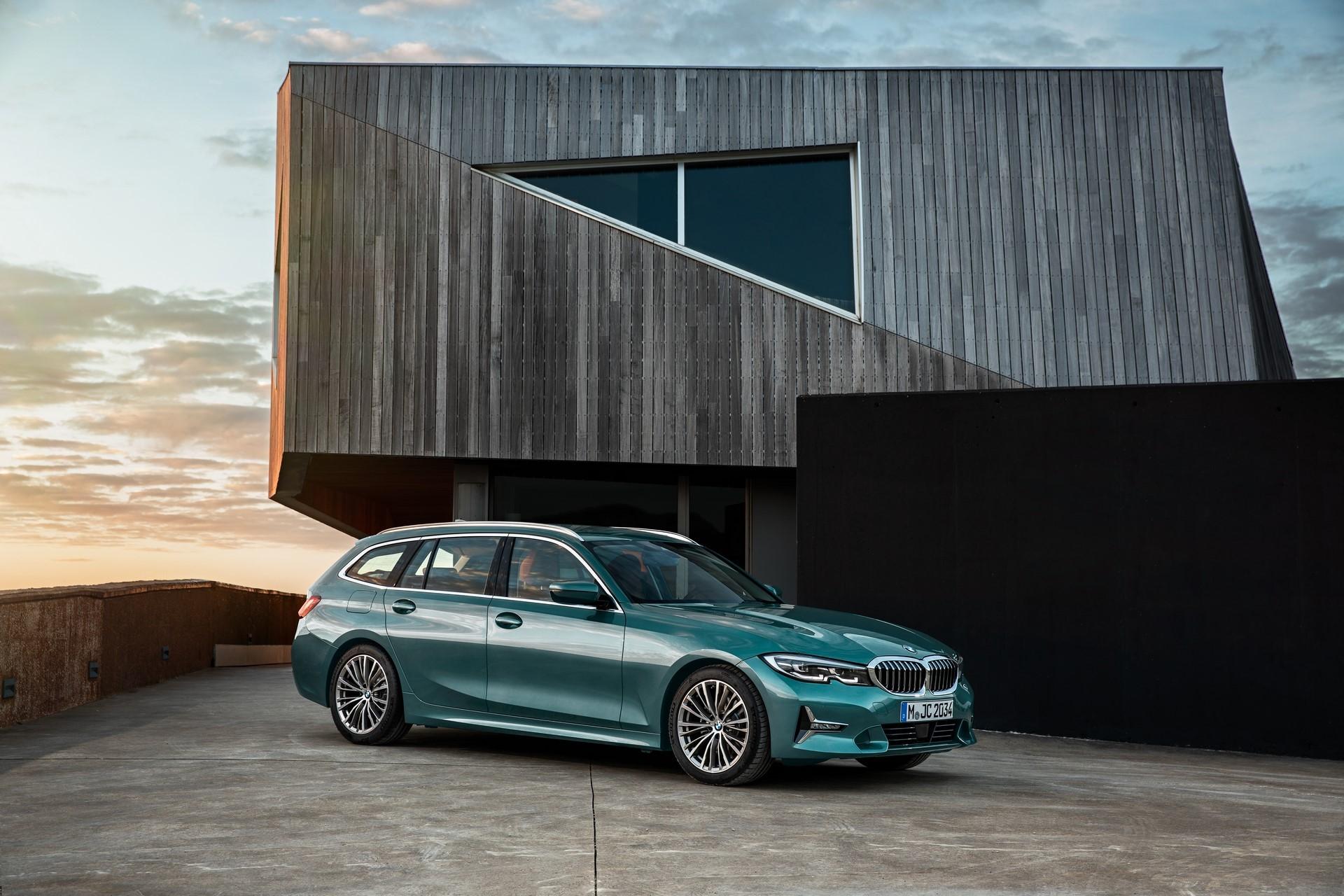 BMW-3-Series-Touring-2019-3