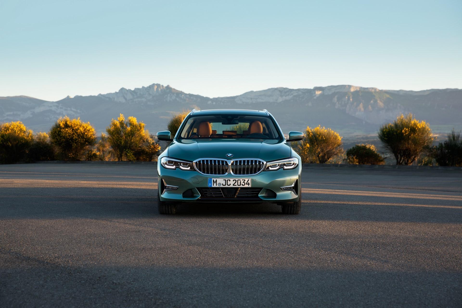 BMW-3-Series-Touring-2019-31