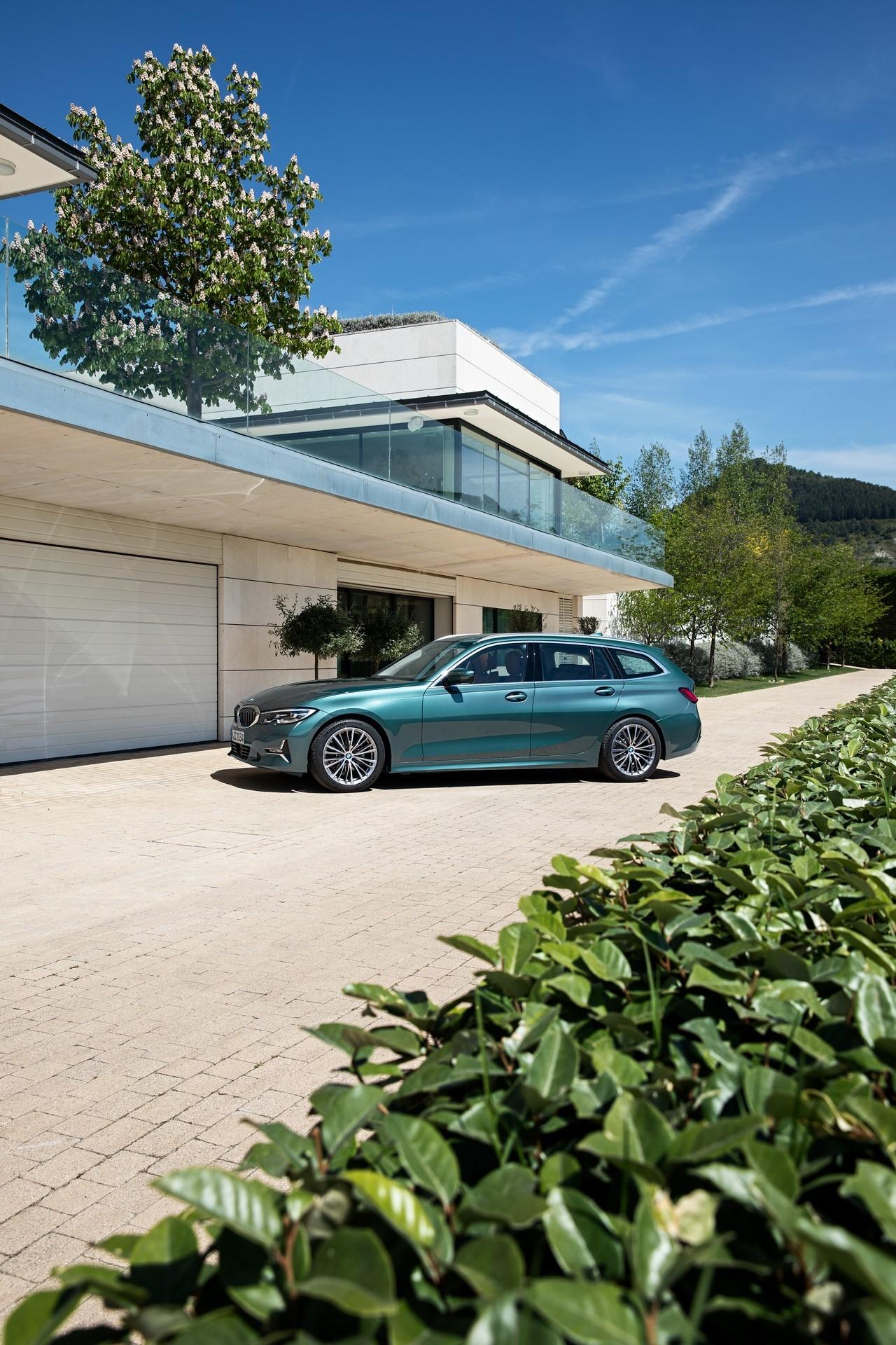 BMW-3-Series-Touring-2019-38