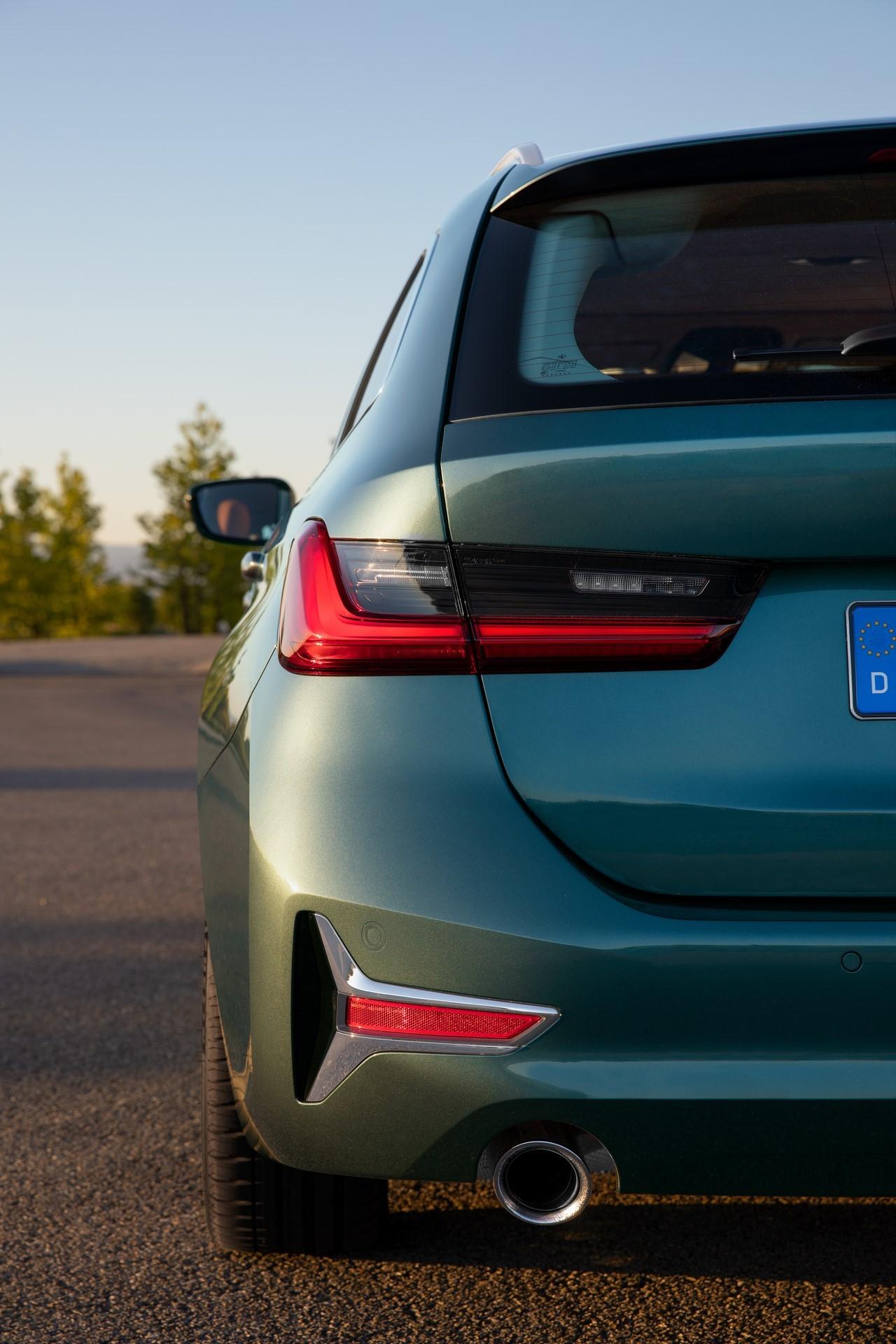 BMW-3-Series-Touring-2019-40