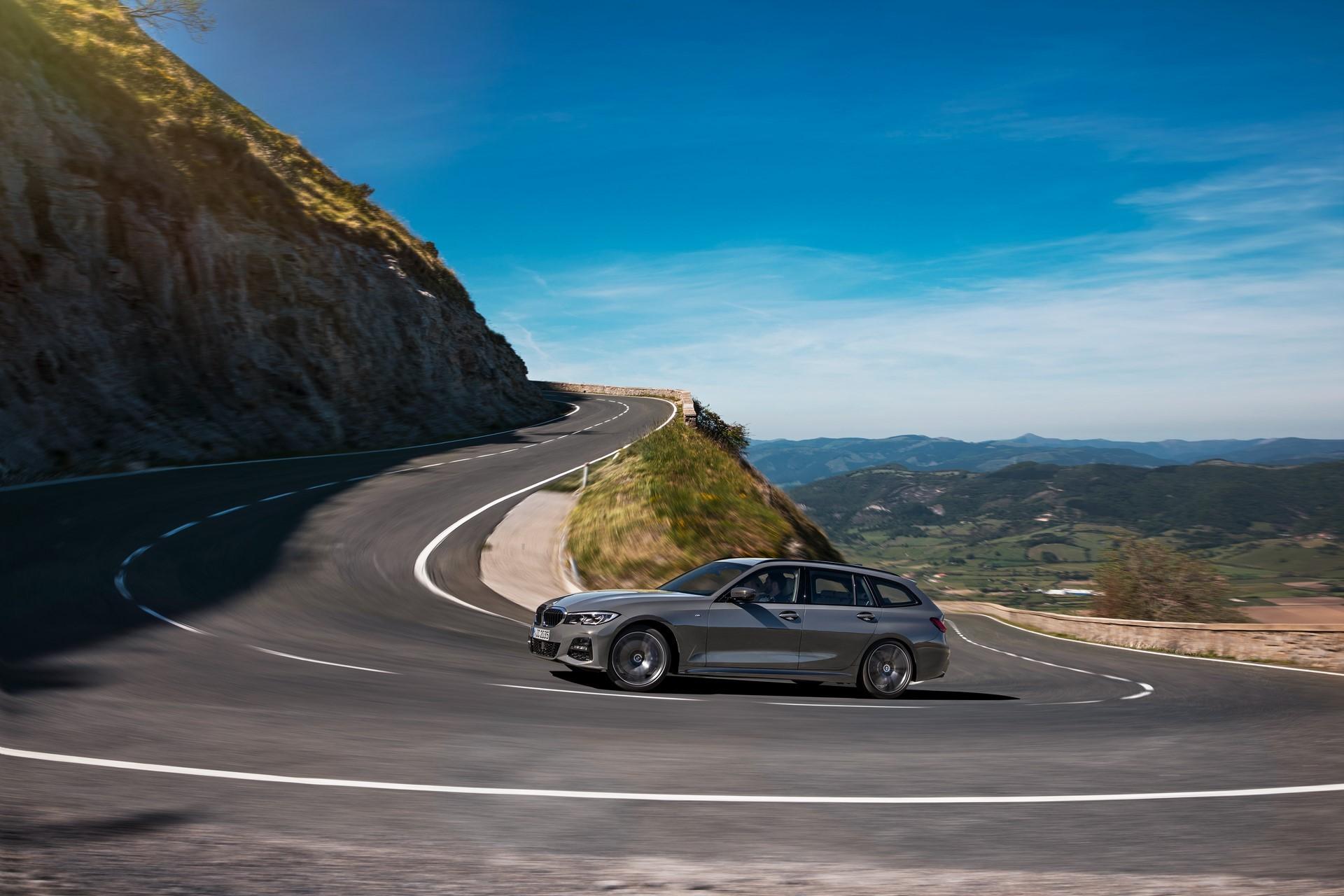 BMW-3-Series-Touring-2019-45