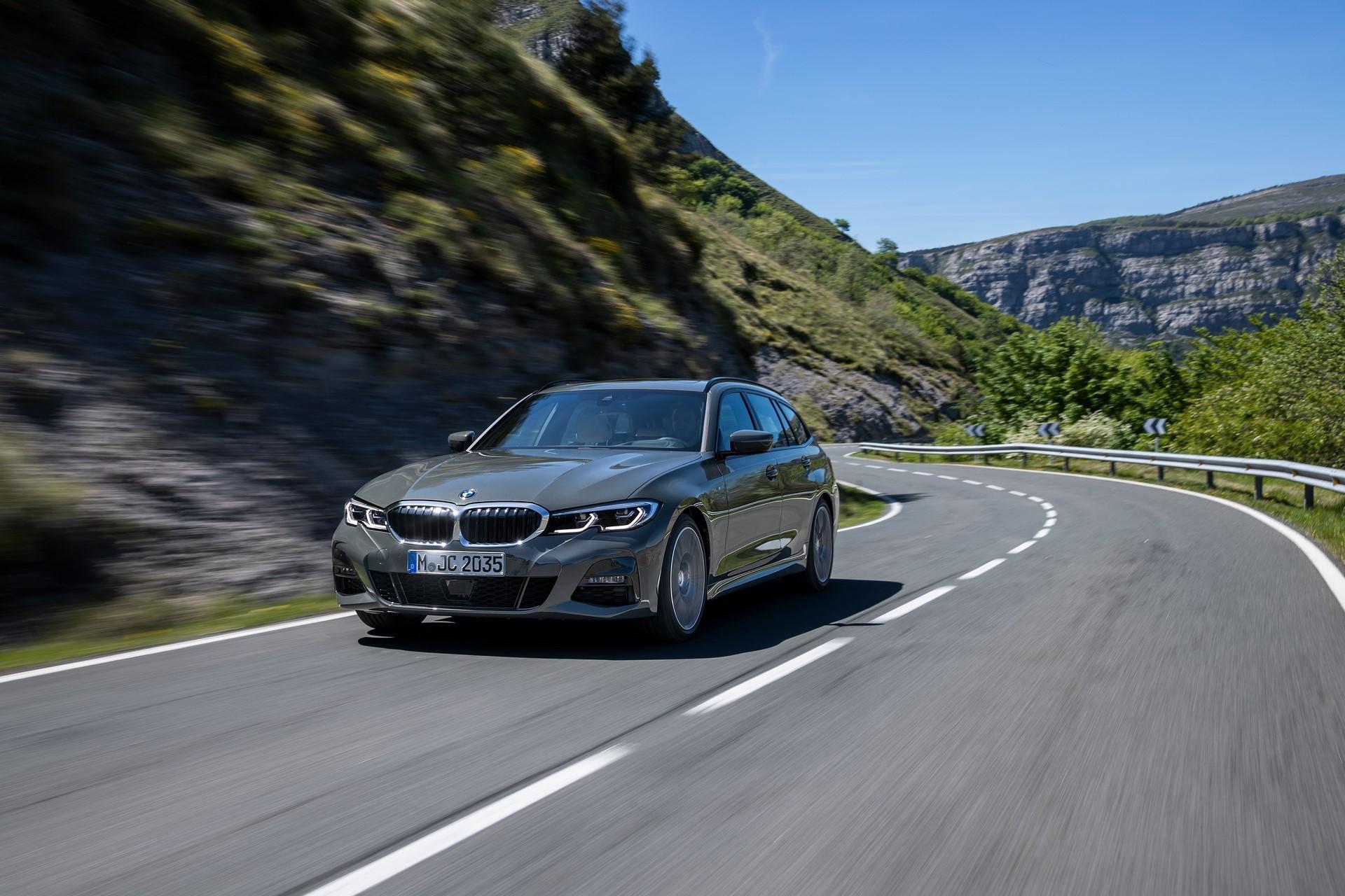 BMW-3-Series-Touring-2019-48