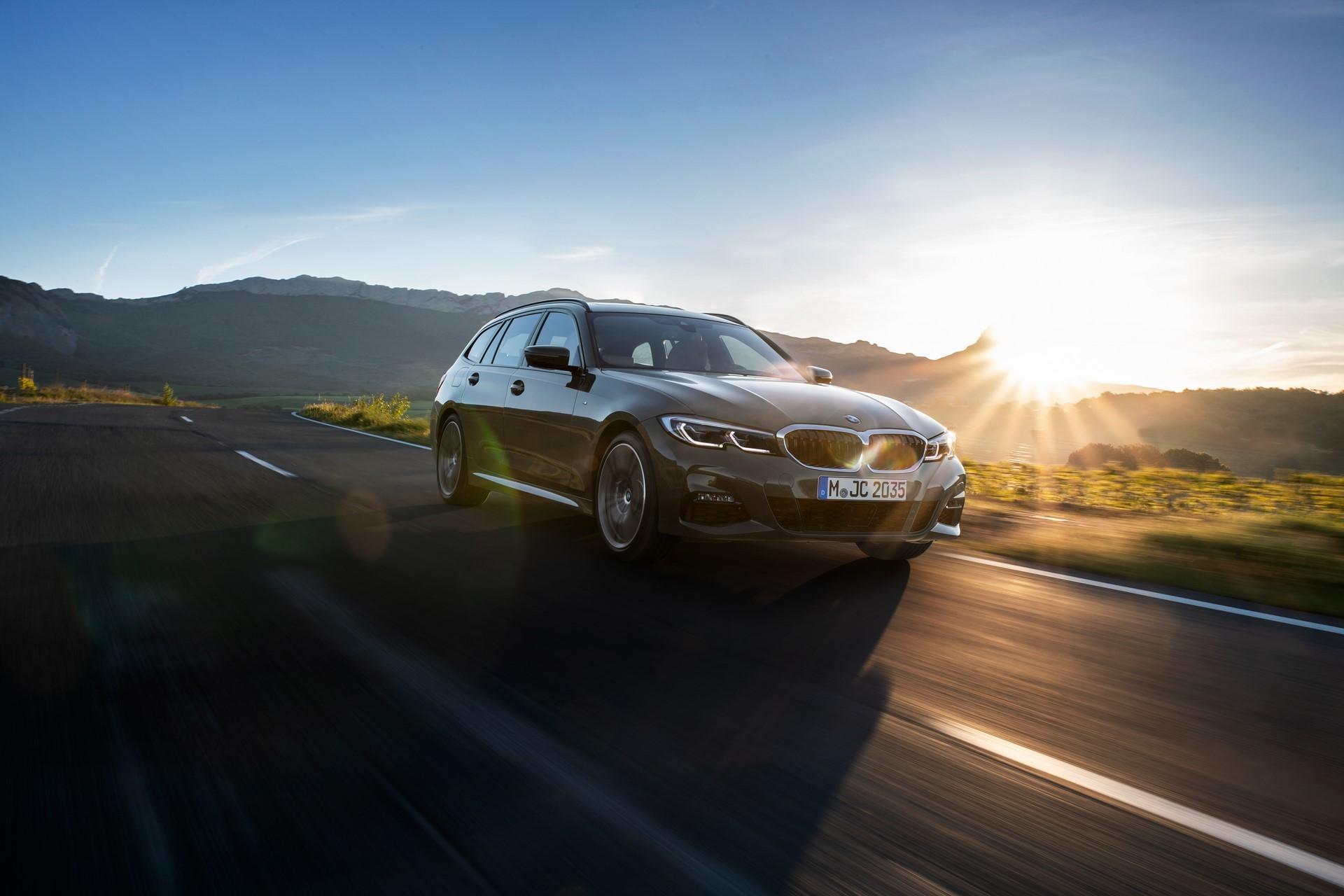 BMW-3-Series-Touring-2019-50