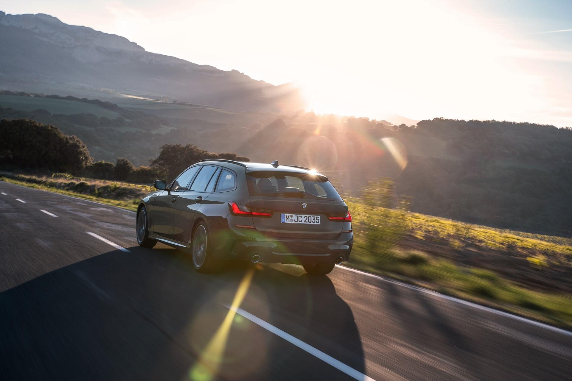 BMW-3-Series-Touring-2019-51