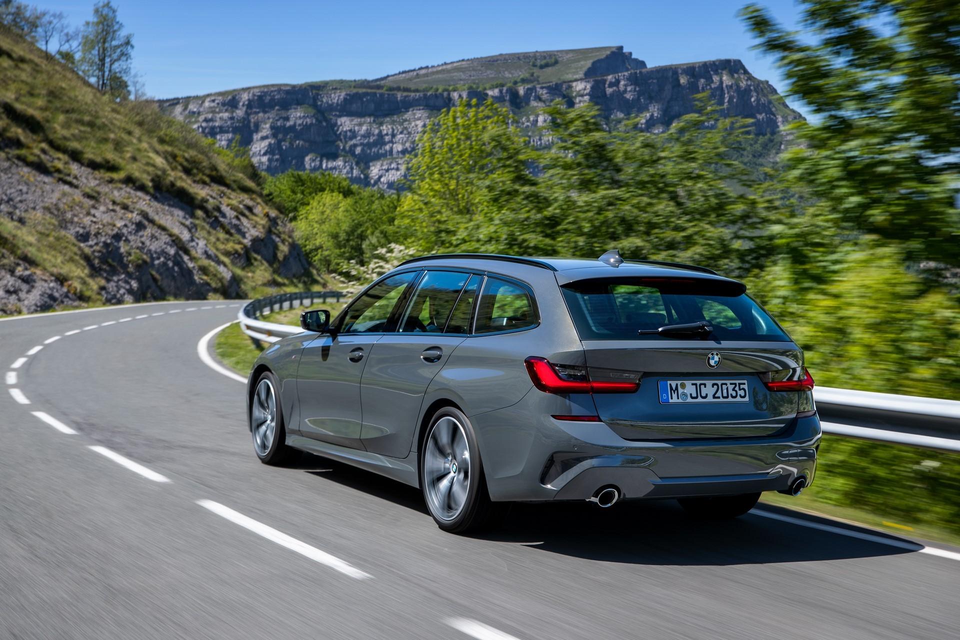 BMW-3-Series-Touring-2019-55