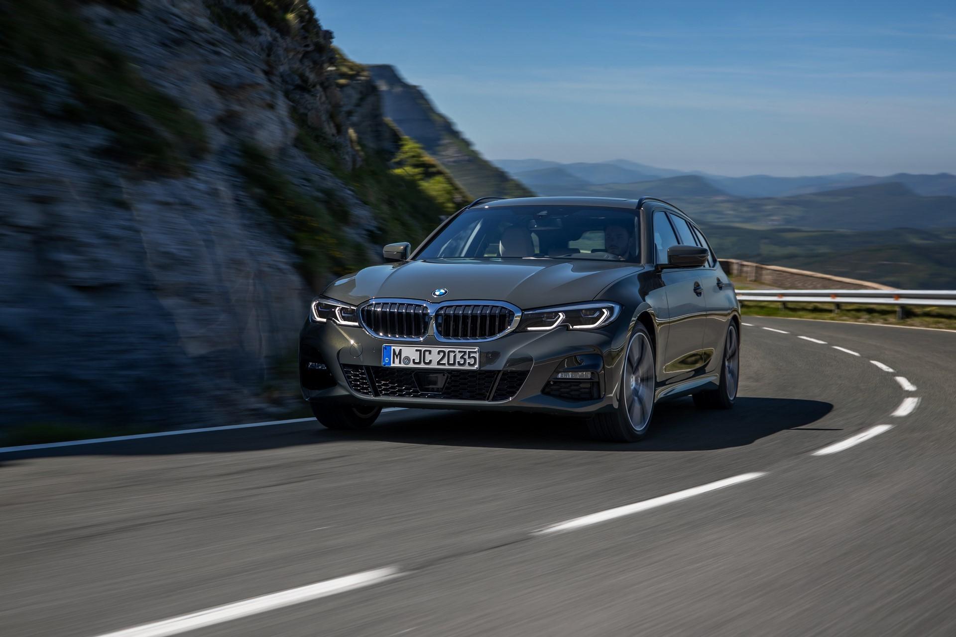 BMW-3-Series-Touring-2019-58