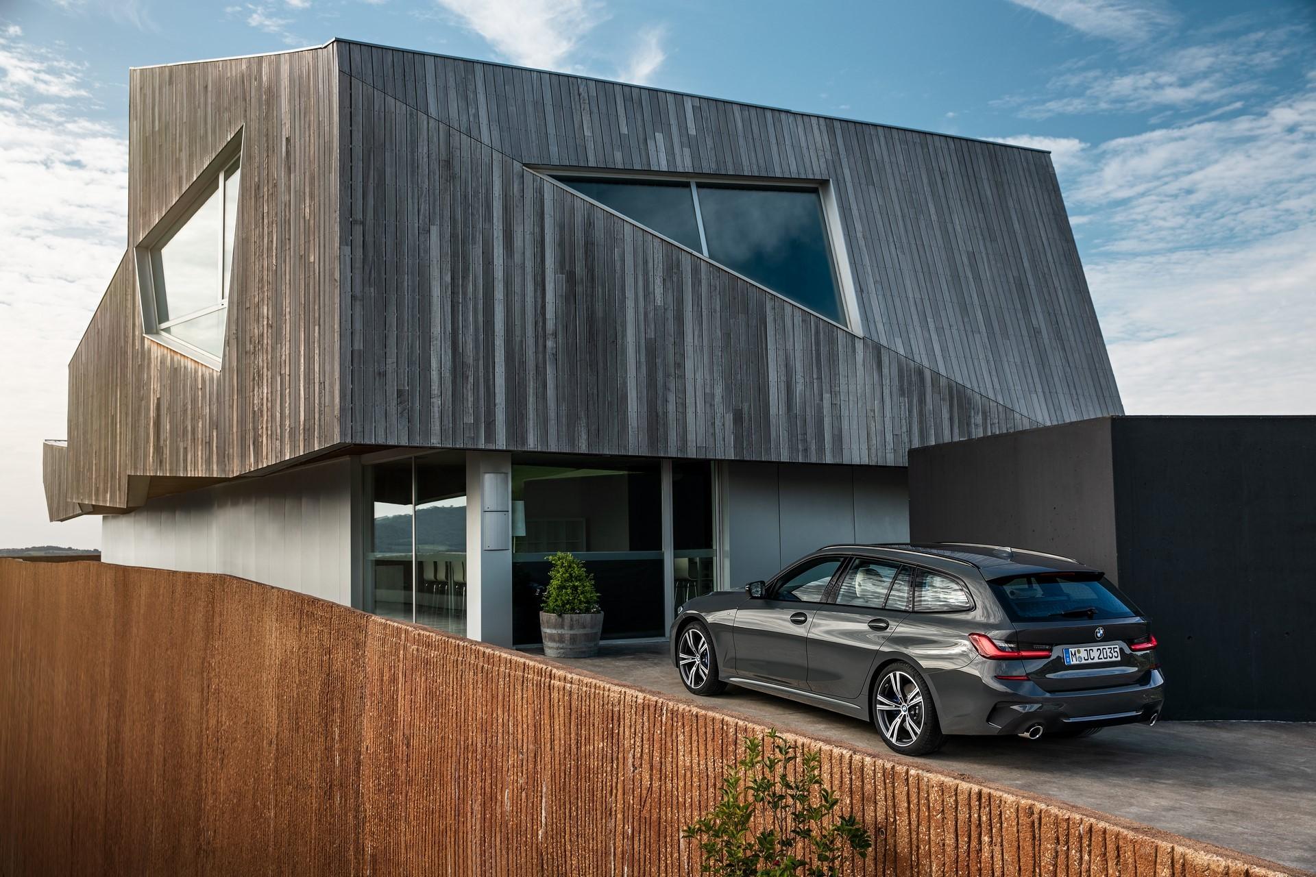BMW-3-Series-Touring-2019-66