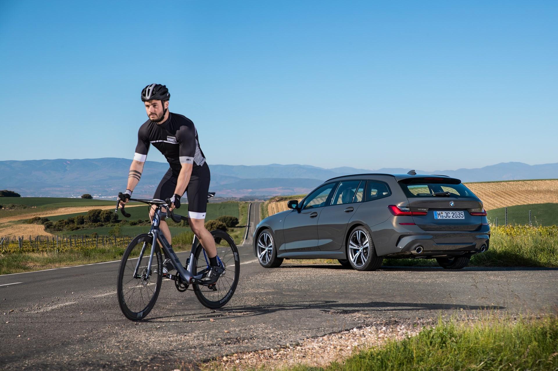 BMW-3-Series-Touring-2019-69