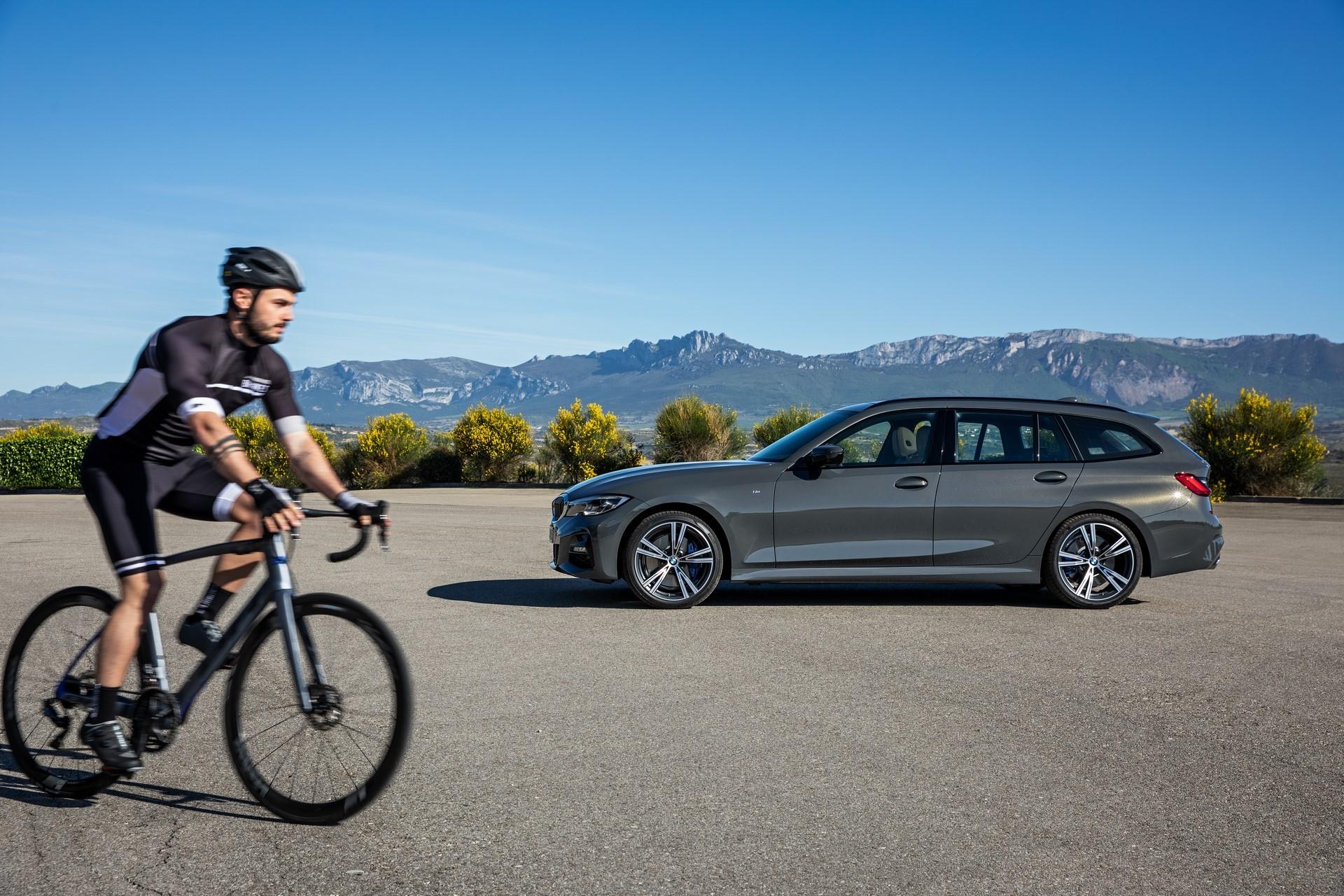 BMW-3-Series-Touring-2019-70