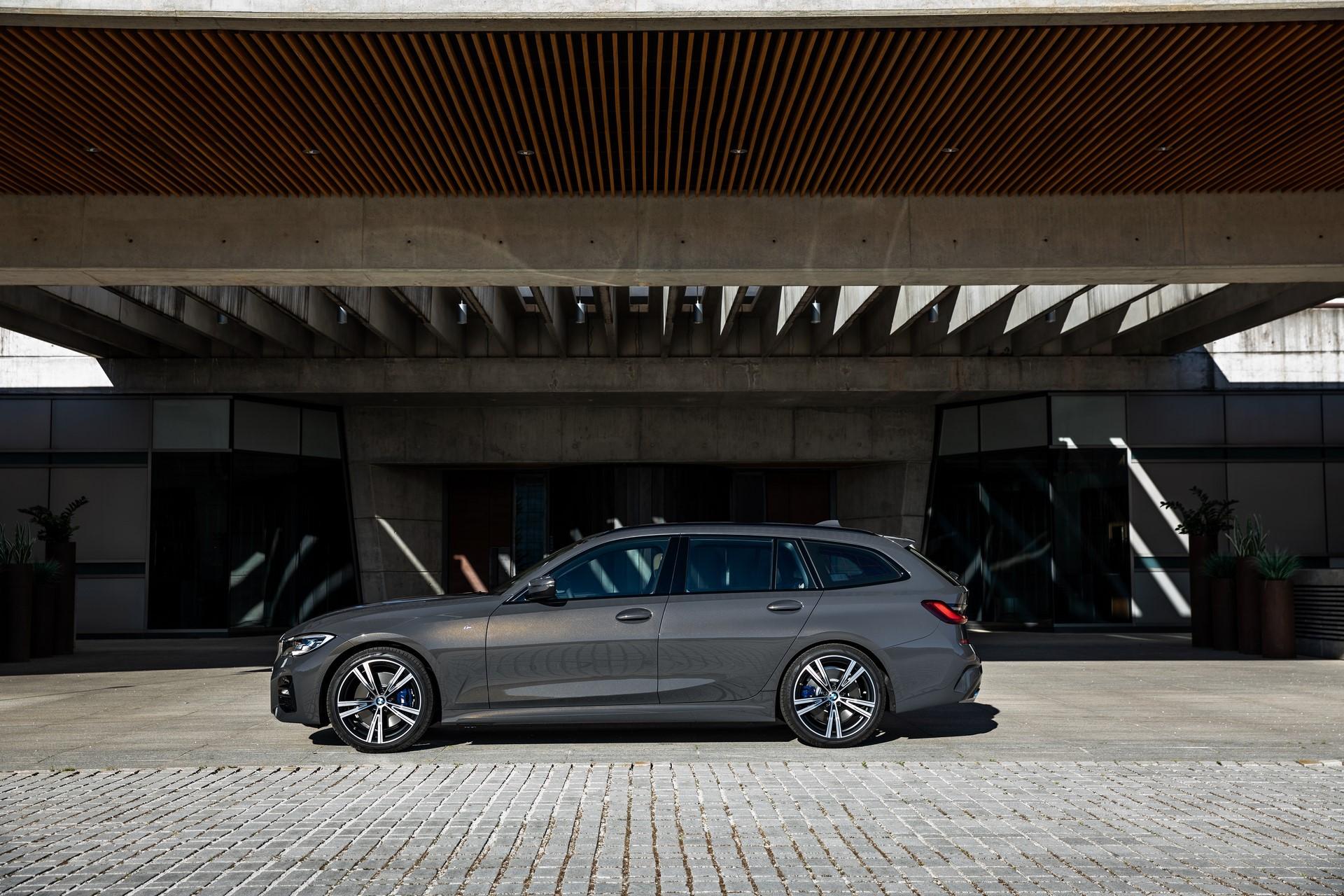 BMW-3-Series-Touring-2019-71