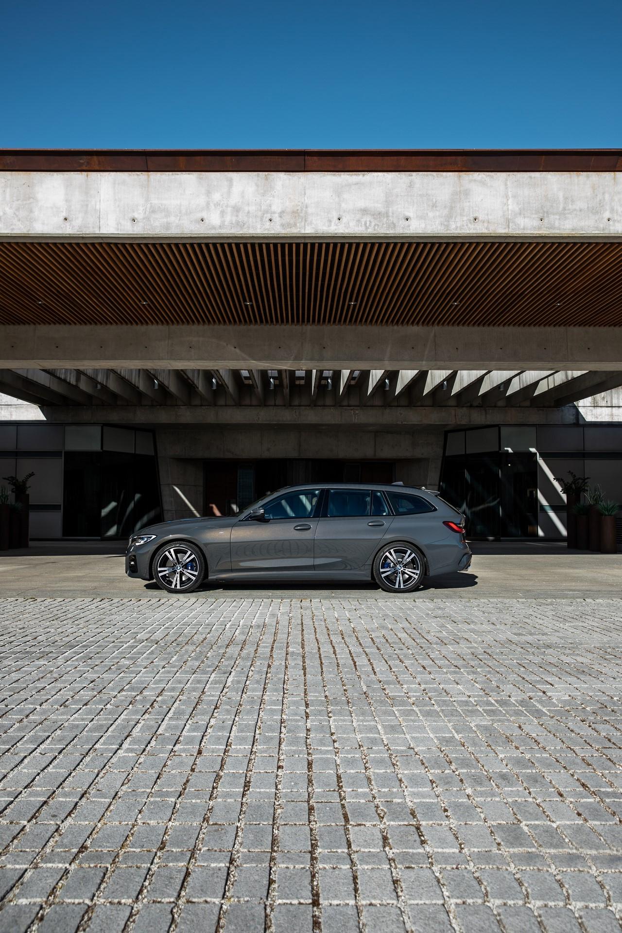 BMW-3-Series-Touring-2019-72