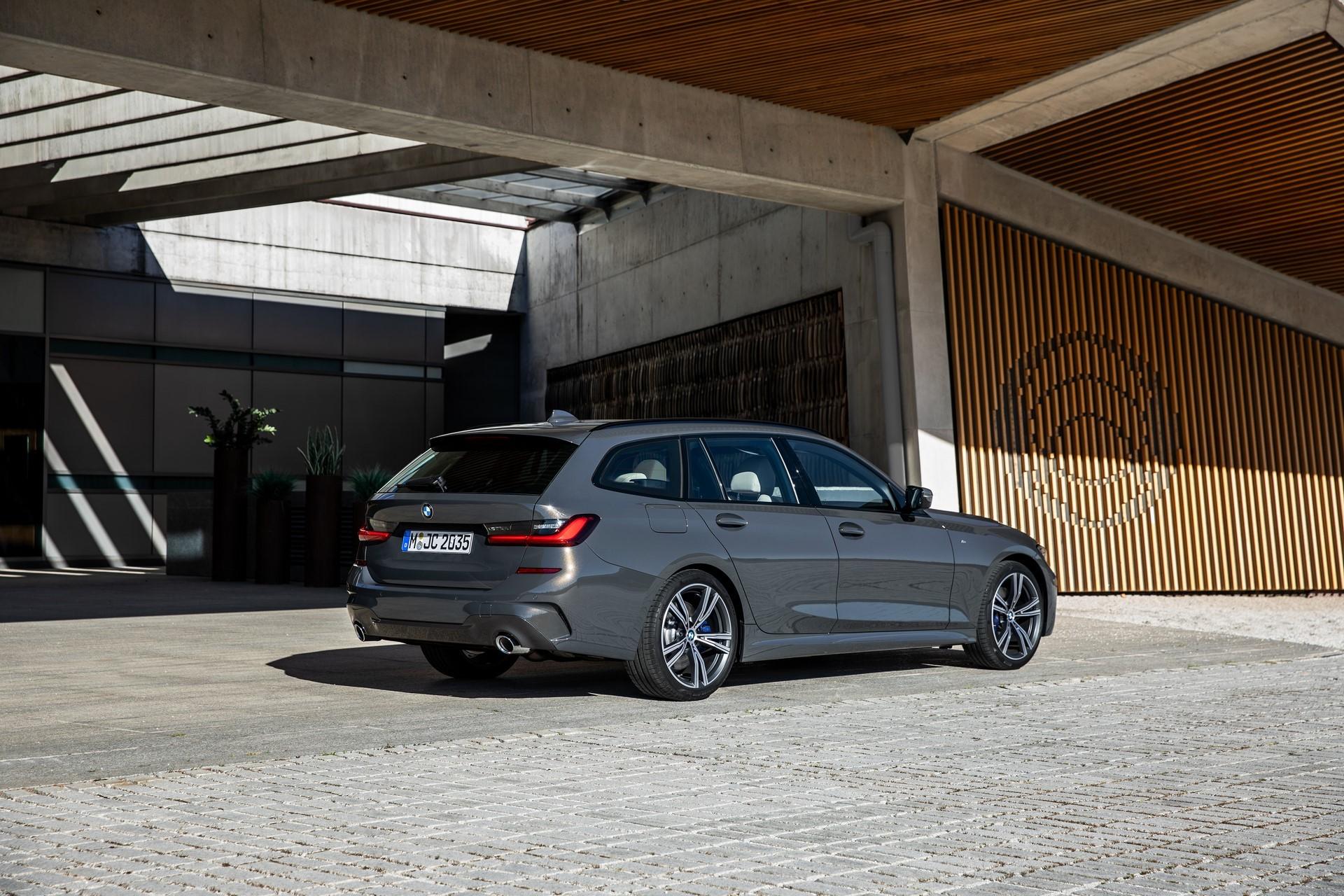BMW-3-Series-Touring-2019-73