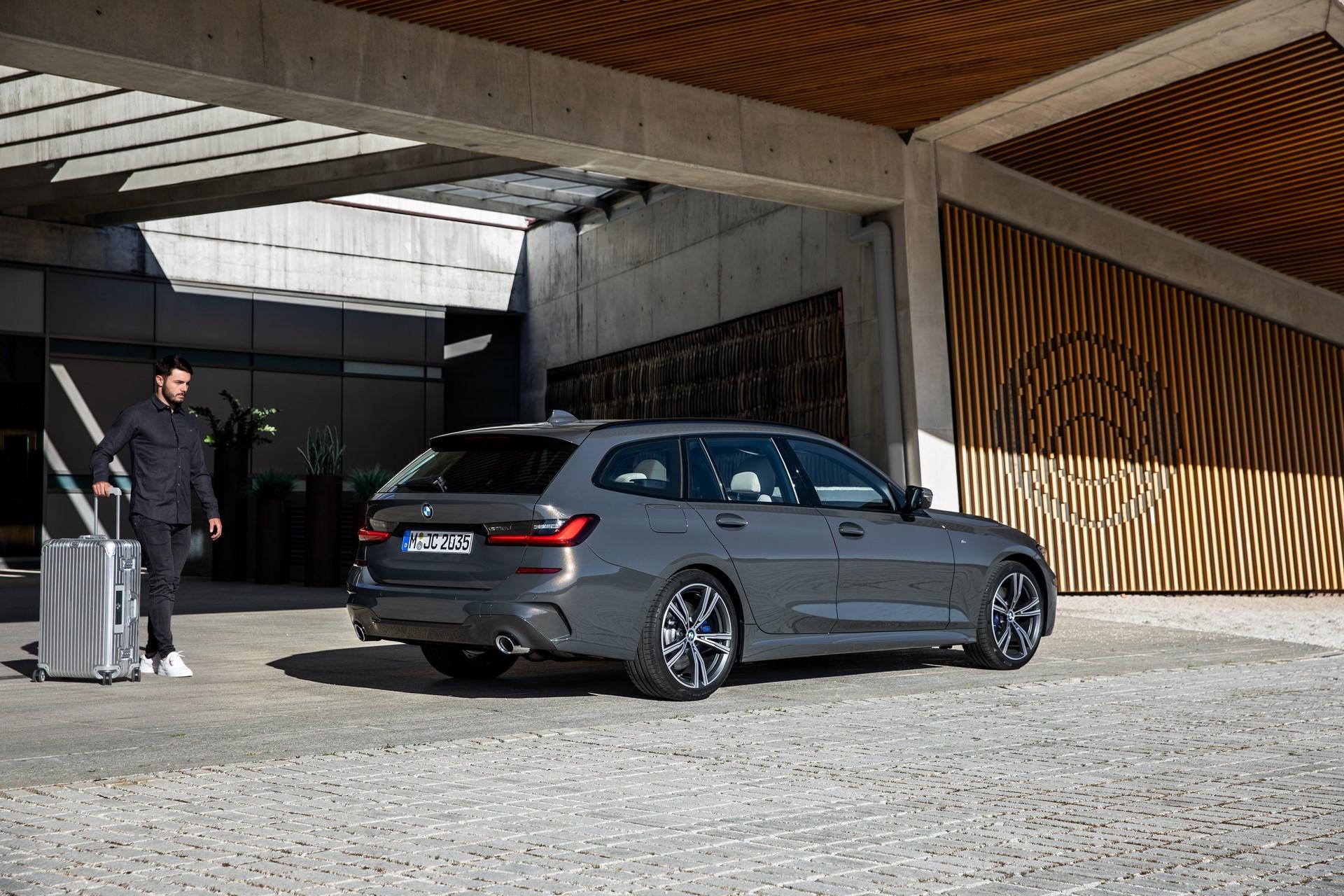 BMW-3-Series-Touring-2019-74
