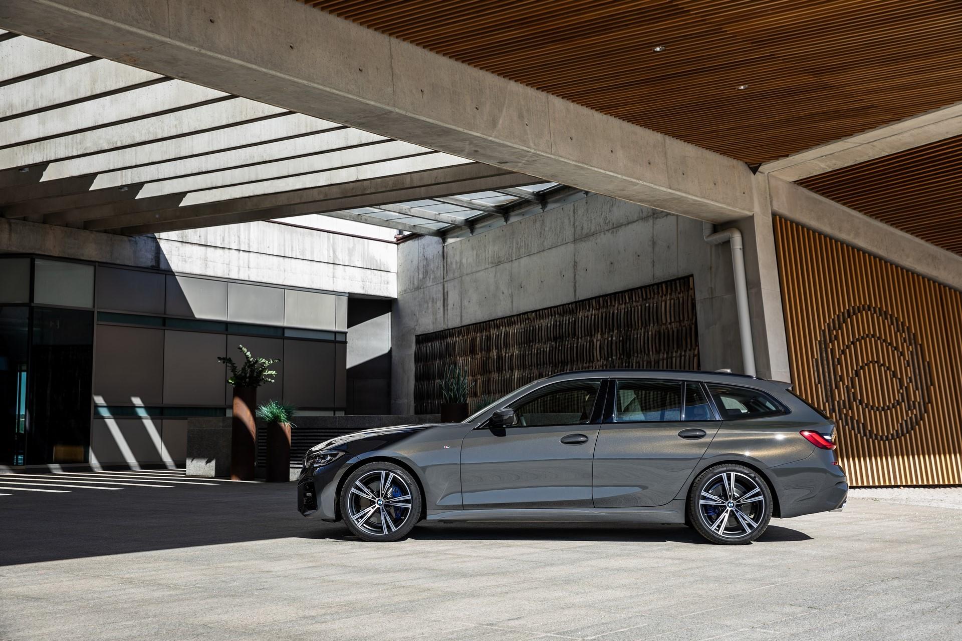 BMW-3-Series-Touring-2019-75