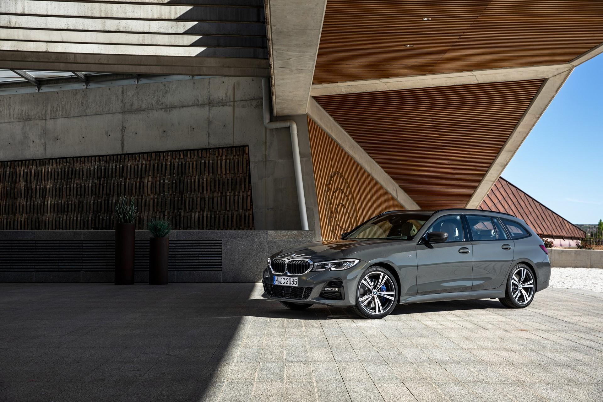 BMW-3-Series-Touring-2019-76
