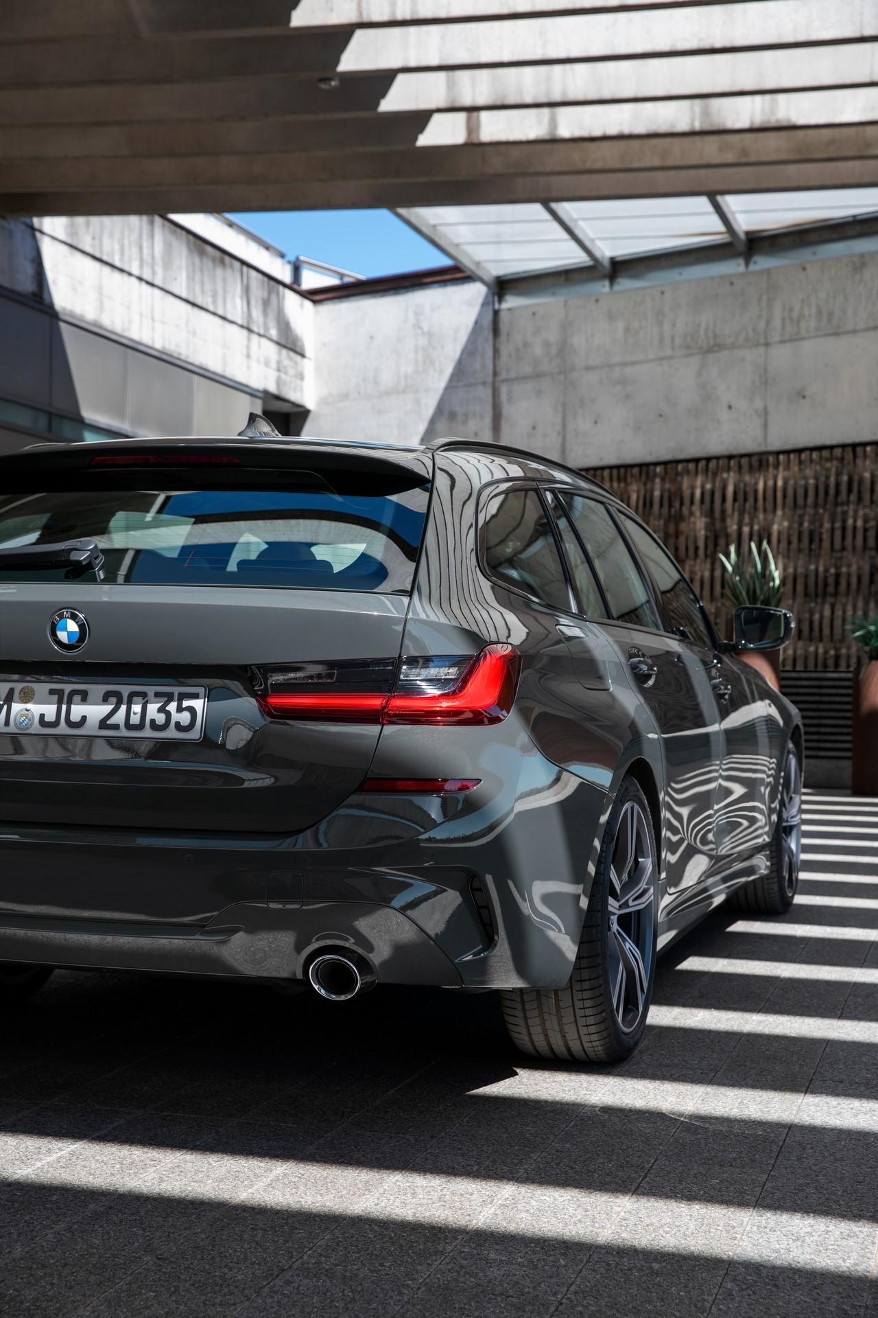 BMW-3-Series-Touring-2019-84