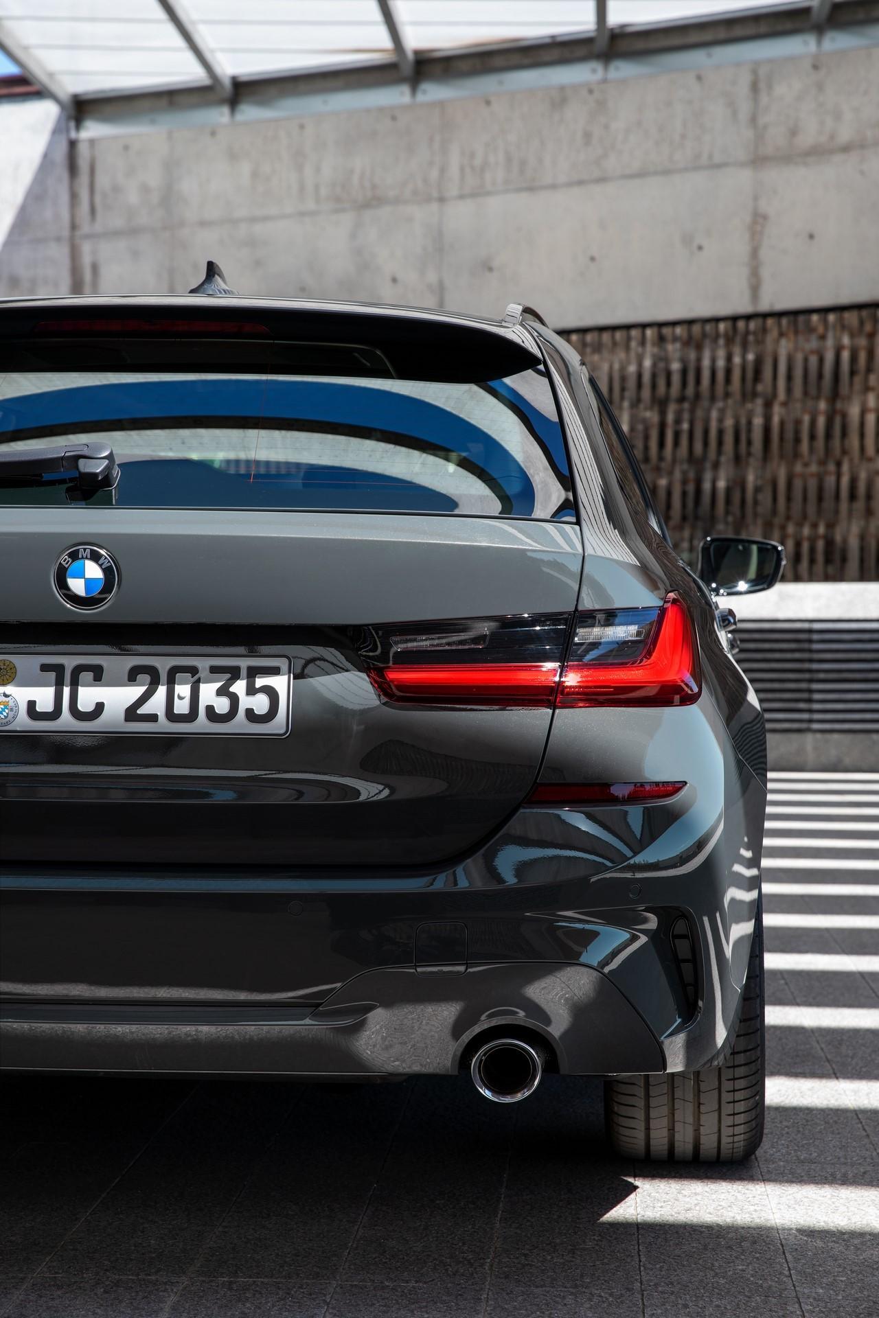 BMW-3-Series-Touring-2019-85
