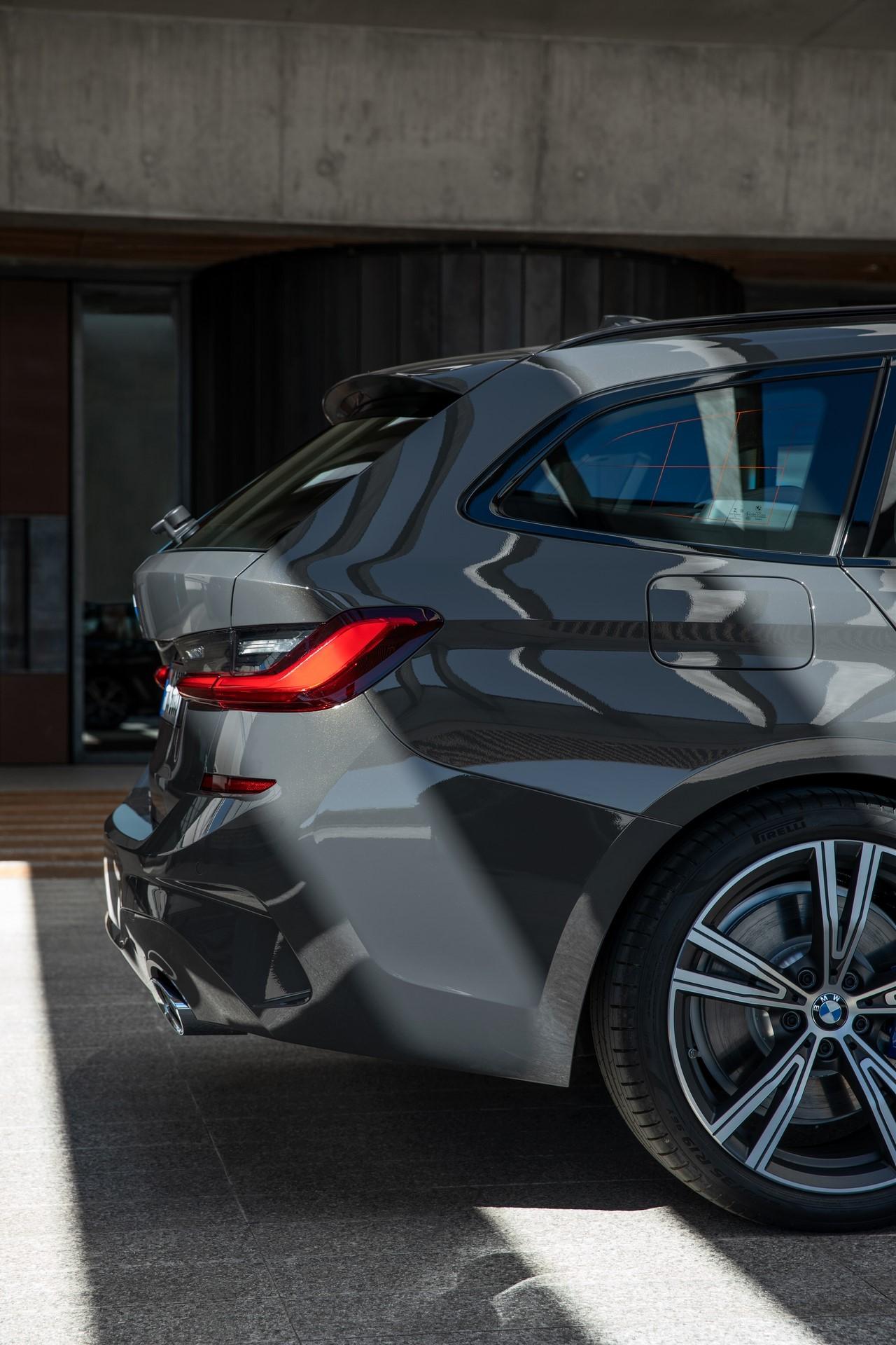 BMW-3-Series-Touring-2019-86