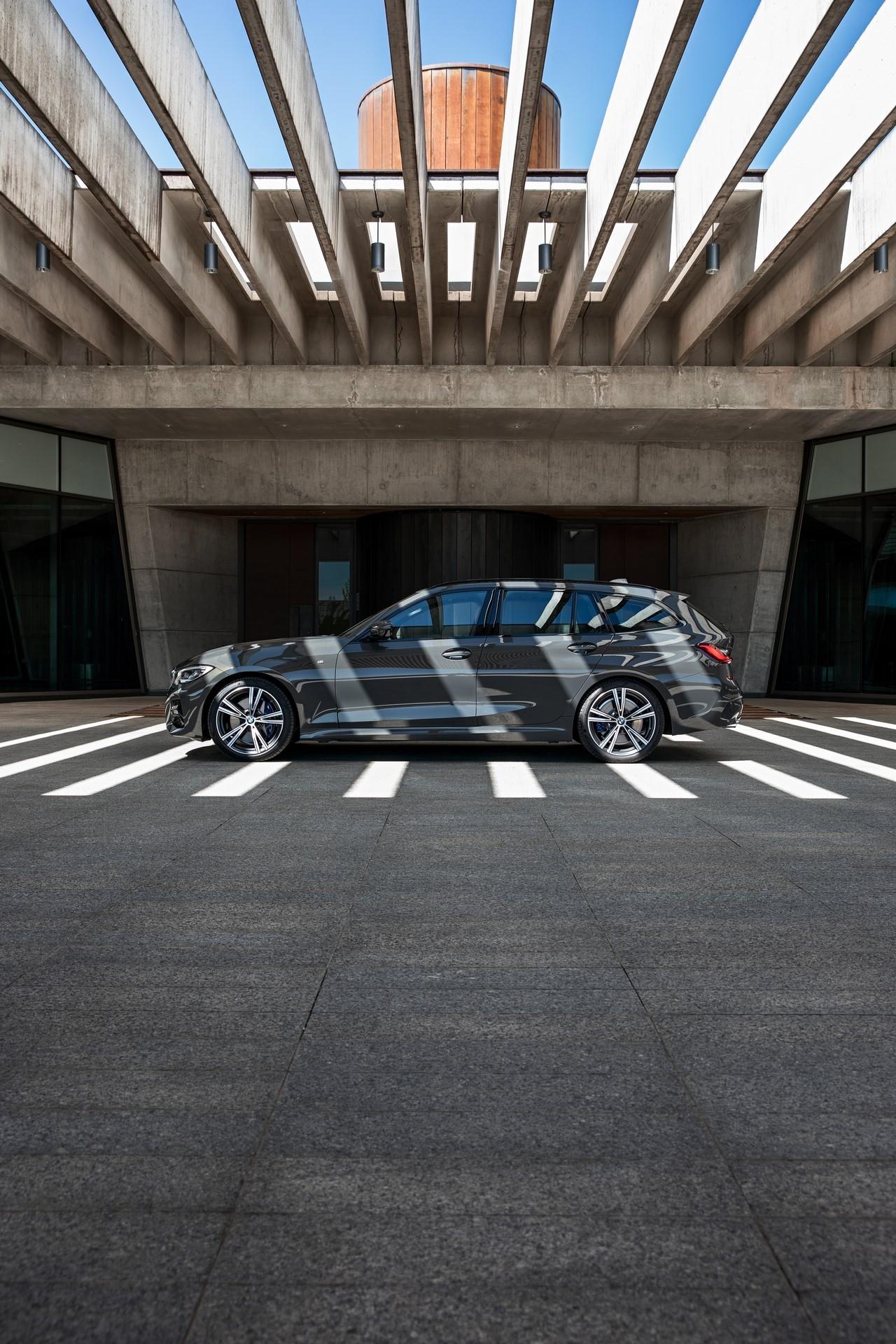 BMW-3-Series-Touring-2019-87