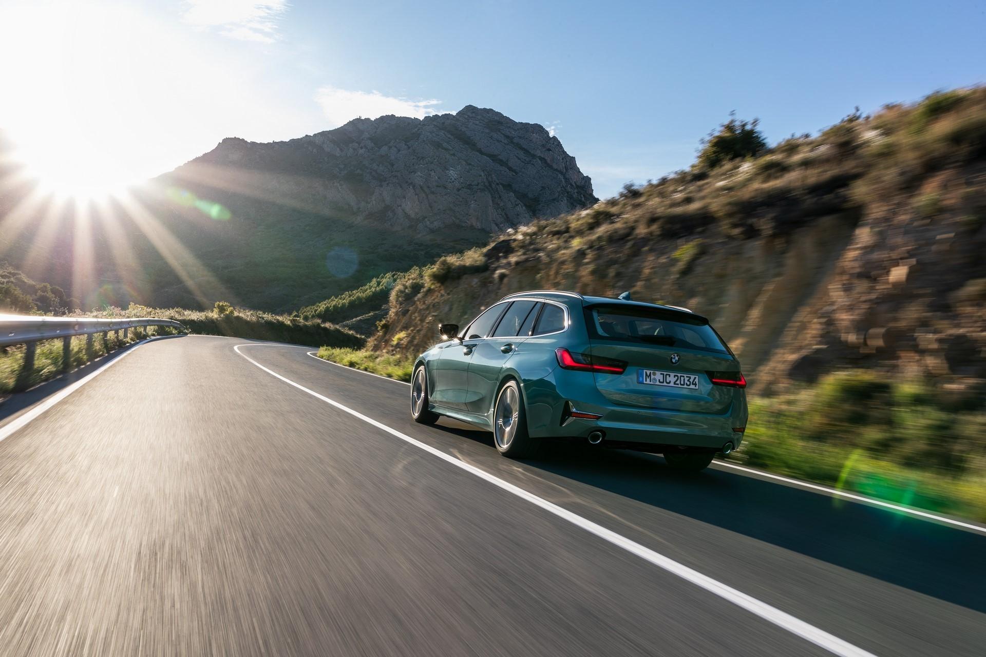 BMW-3-Series-Touring-2019-9