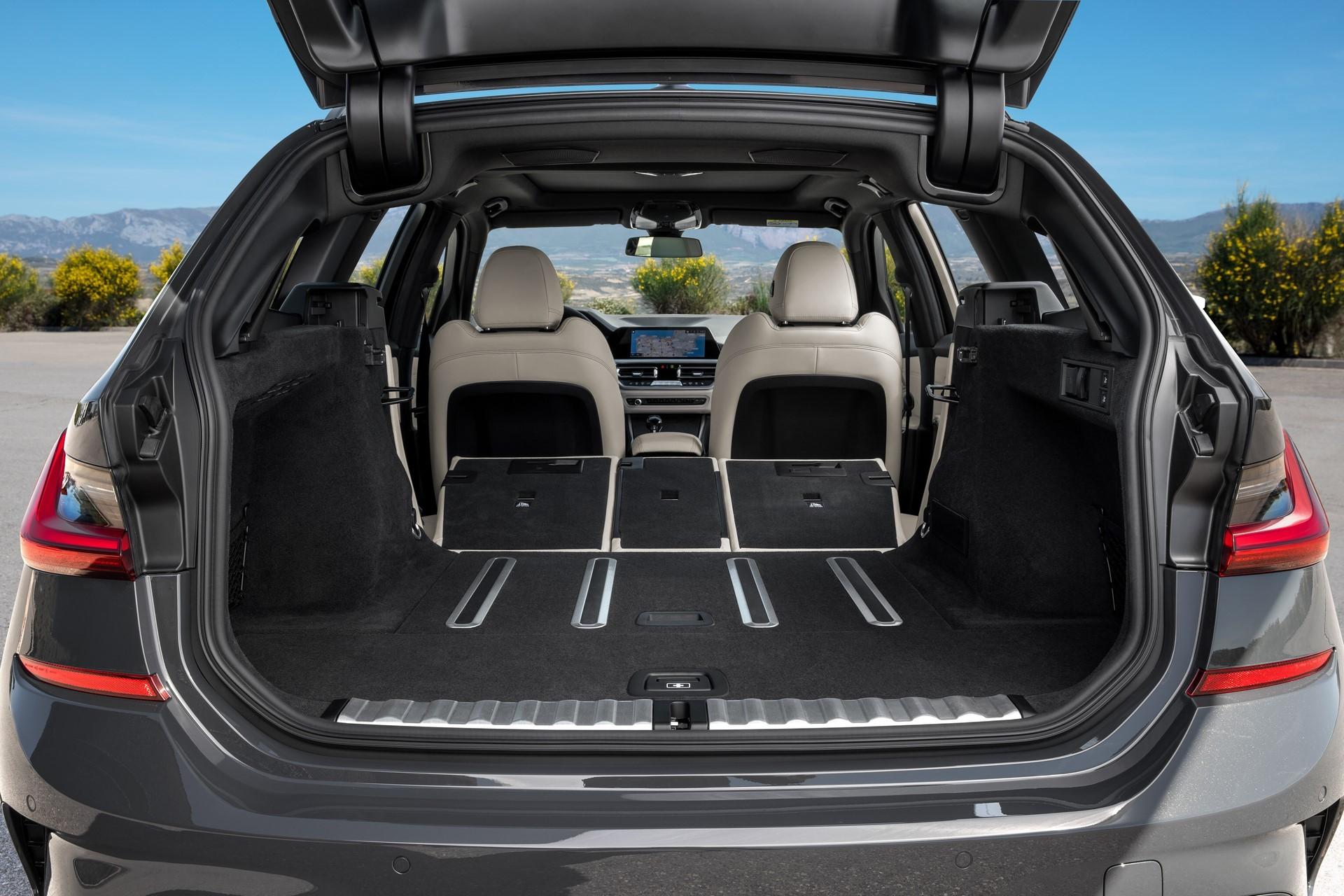 BMW-3-Series-Touring-2019-92