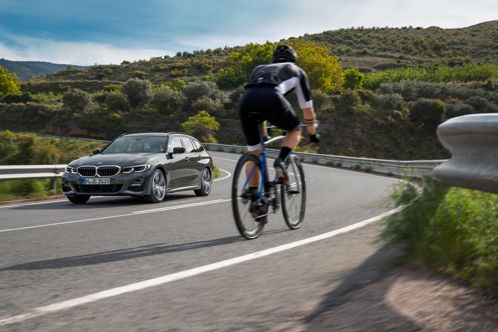 BMW-3-Series-Touring-2019-96
