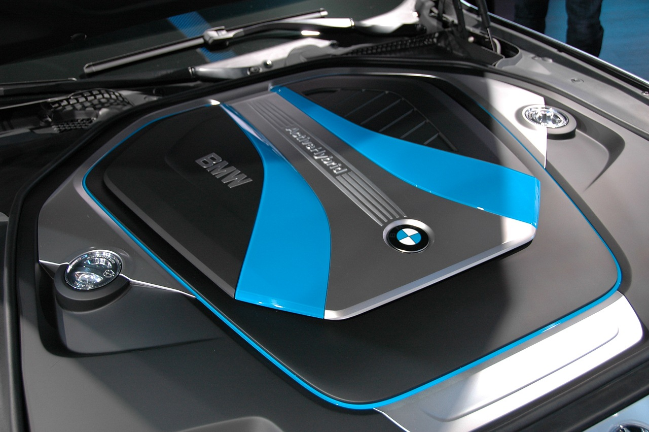BMW Cars- Chevrolet cars: 2010 BMW 5-Series ActiveHybrid Concept images