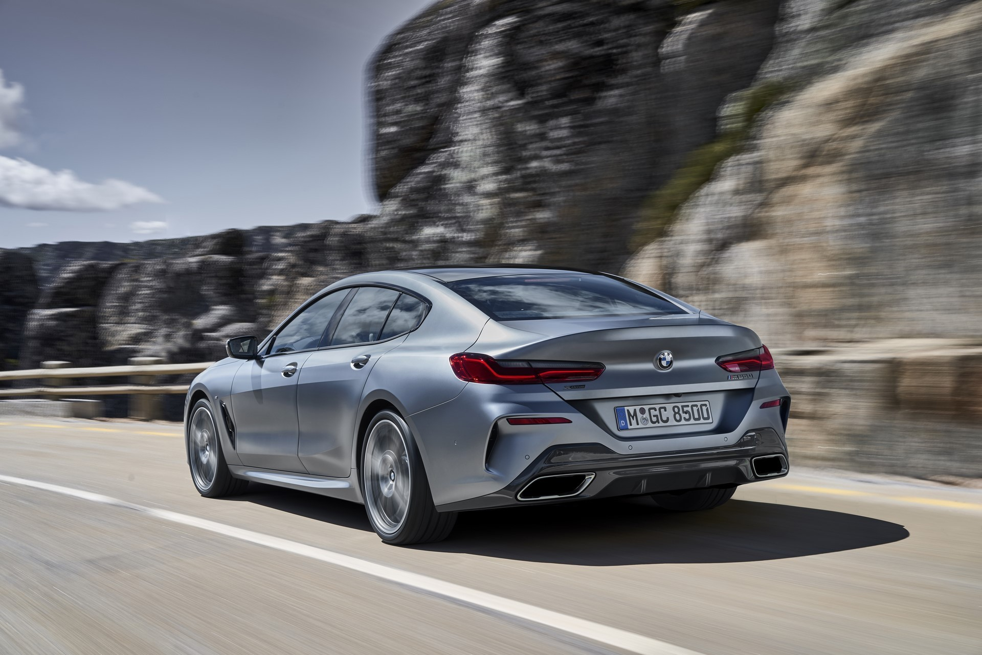 BMW-8-Series-Gran-Coupe-2019-21