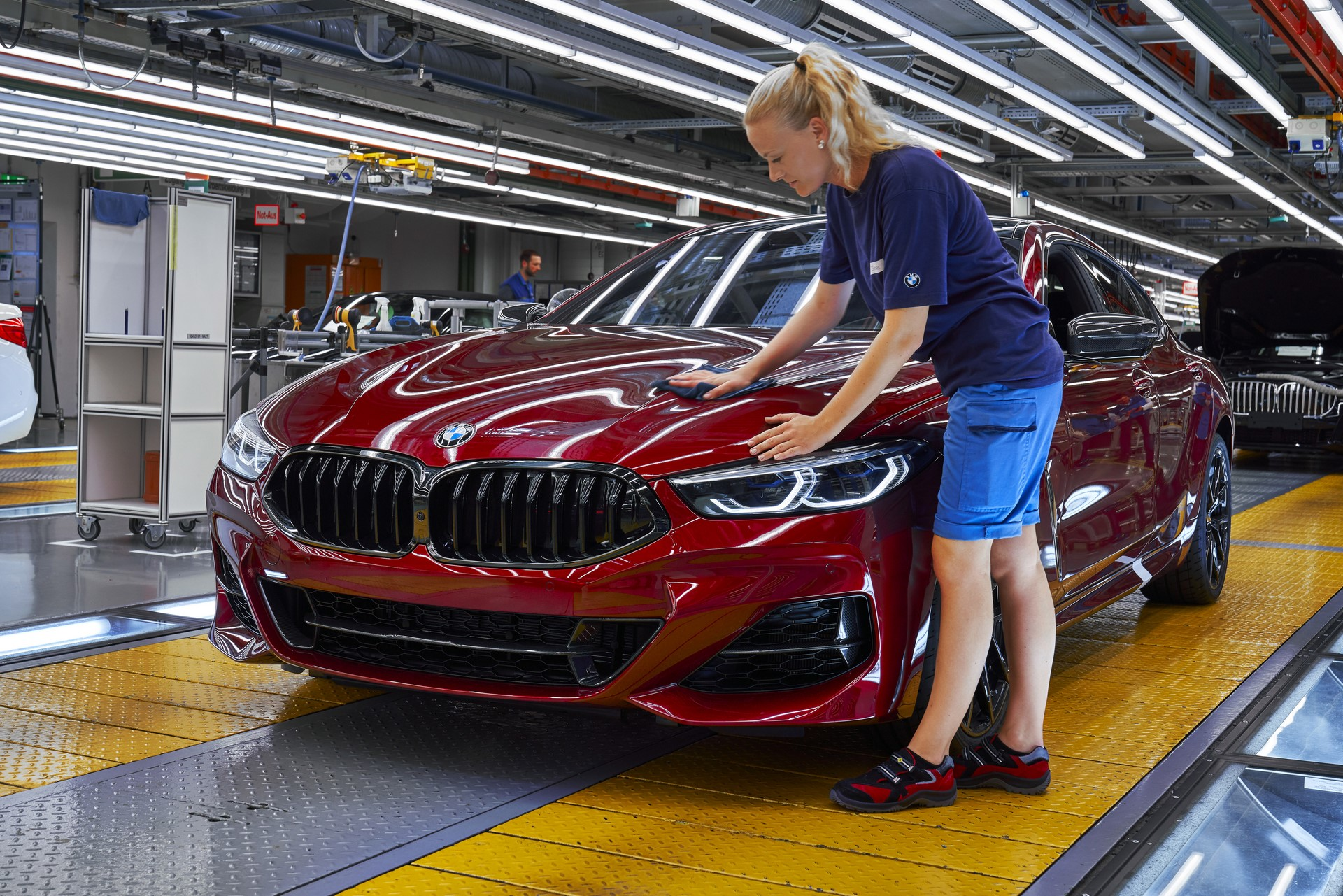BMW-8-Series-Gran-Coupe-and-BMW-M8-Competition-Coupe-and-Convertible-production-starts-10