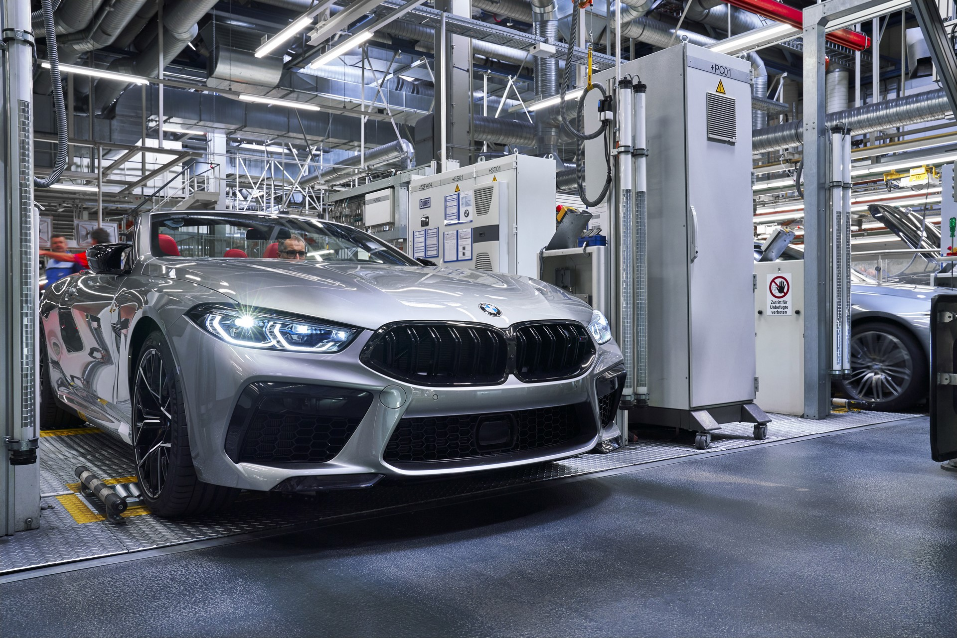 BMW-8-Series-Gran-Coupe-and-BMW-M8-Competition-Coupe-and-Convertible-production-starts-19