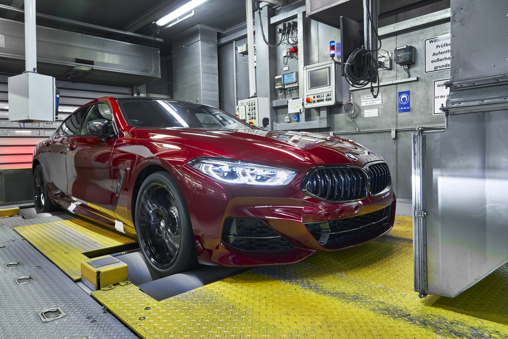 BMW-8-Series-Gran-Coupe-and-BMW-M8-Competition-Coupe-and-Convertible-production-starts-2