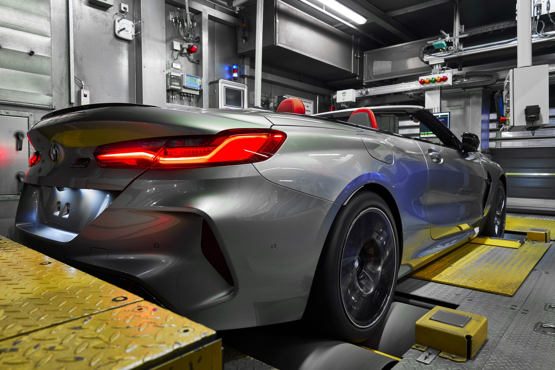 BMW-8-Series-Gran-Coupe-and-BMW-M8-Competition-Coupe-and-Convertible-production-starts-21