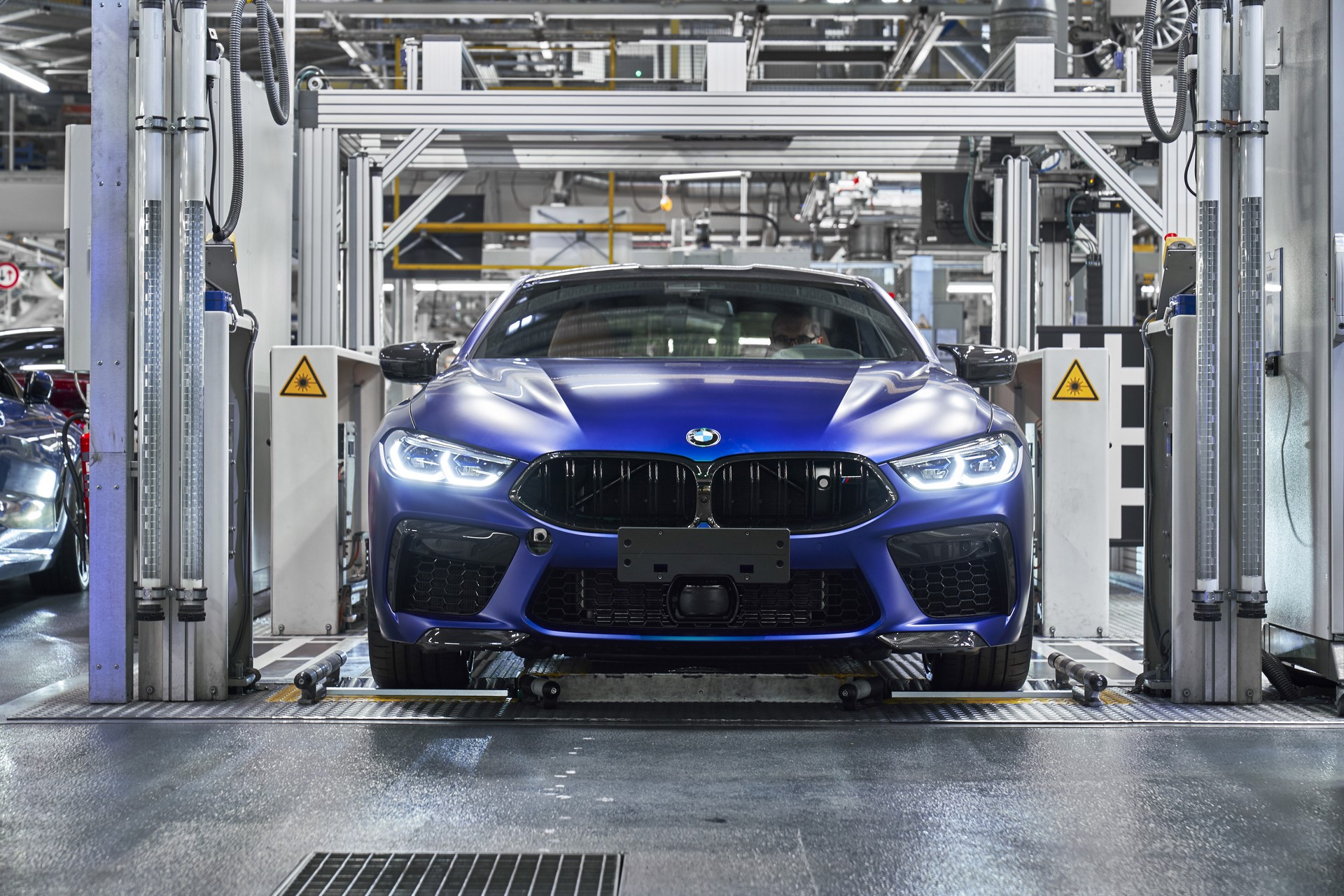 BMW-8-Series-Gran-Coupe-and-BMW-M8-Competition-Coupe-and-Convertible-production-starts-38