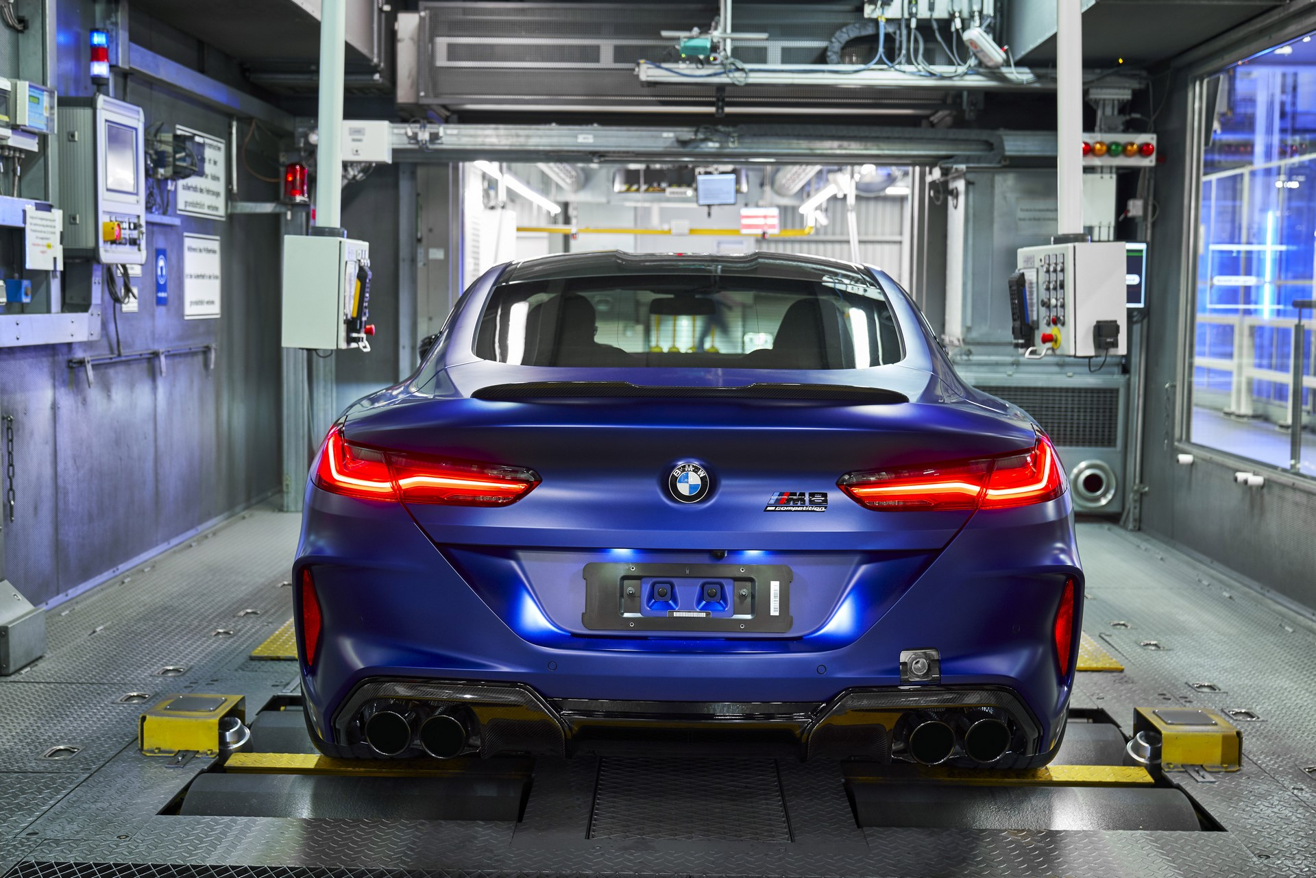 BMW-8-Series-Gran-Coupe-and-BMW-M8-Competition-Coupe-and-Convertible-production-starts-39