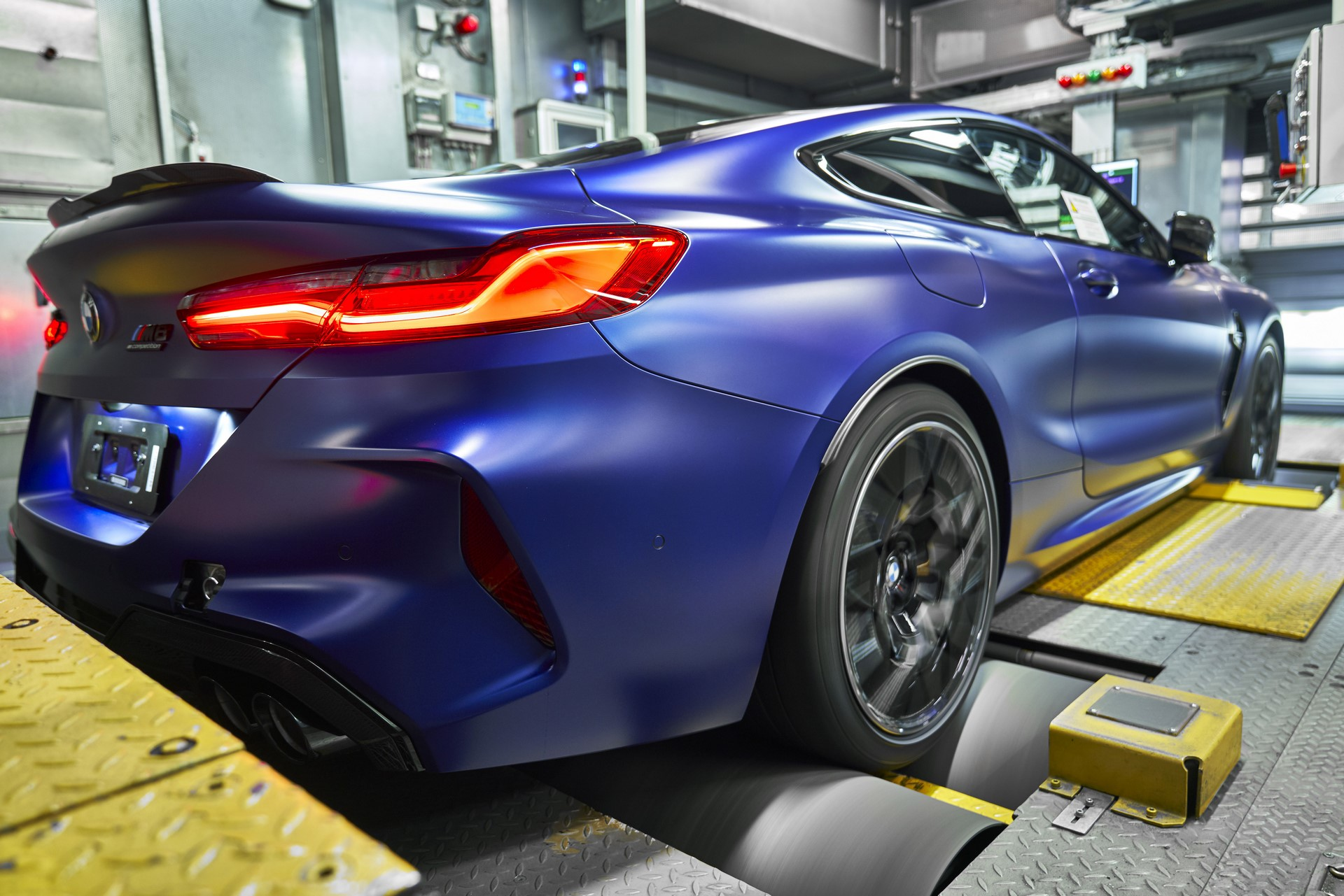 BMW-8-Series-Gran-Coupe-and-BMW-M8-Competition-Coupe-and-Convertible-production-starts-40