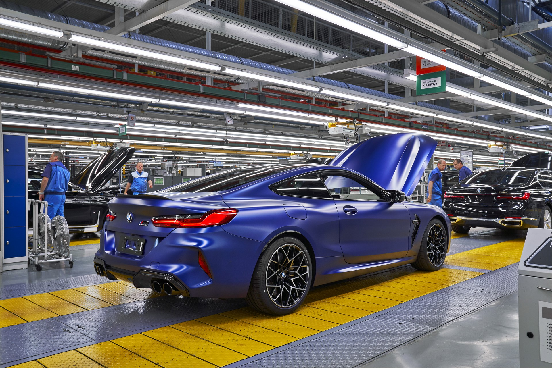 BMW-8-Series-Gran-Coupe-and-BMW-M8-Competition-Coupe-and-Convertible-production-starts-43