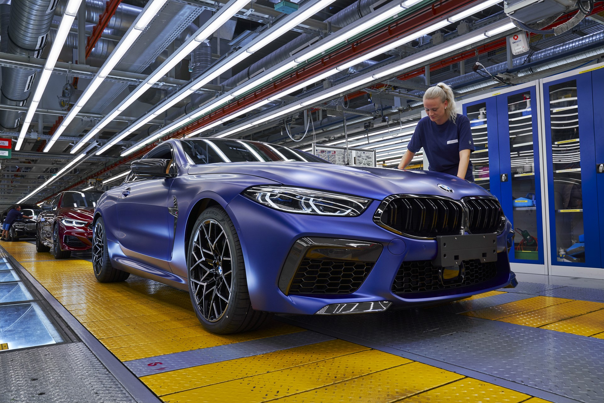 BMW-8-Series-Gran-Coupe-and-BMW-M8-Competition-Coupe-and-Convertible-production-starts-46