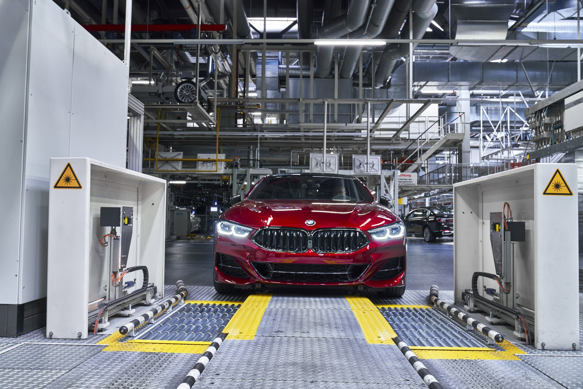BMW-8-Series-Gran-Coupe-and-BMW-M8-Competition-Coupe-and-Convertible-production-starts-6
