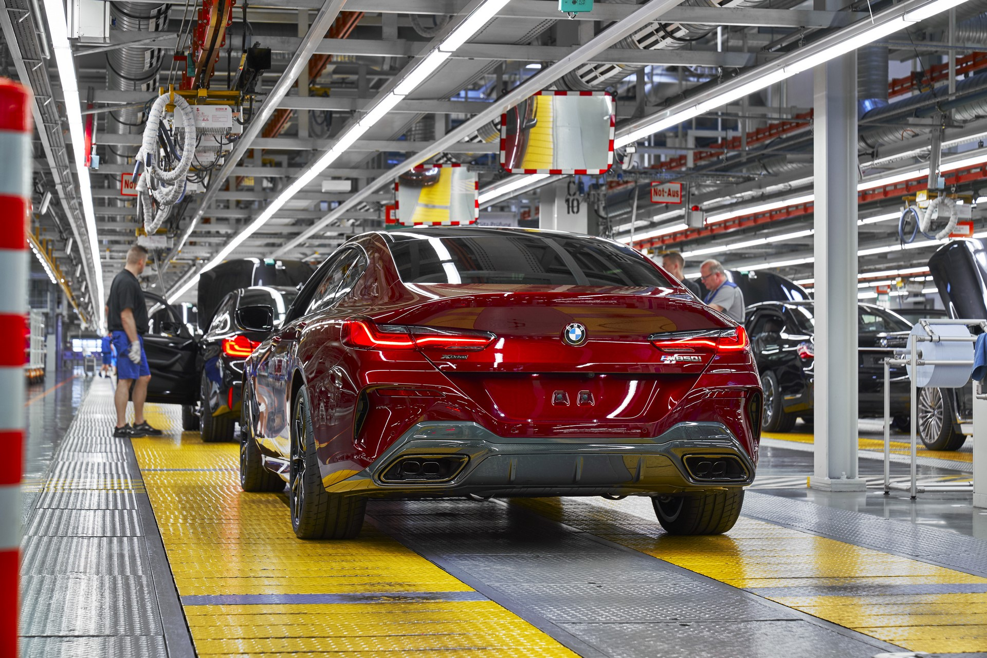 BMW-8-Series-Gran-Coupe-and-BMW-M8-Competition-Coupe-and-Convertible-production-starts-7