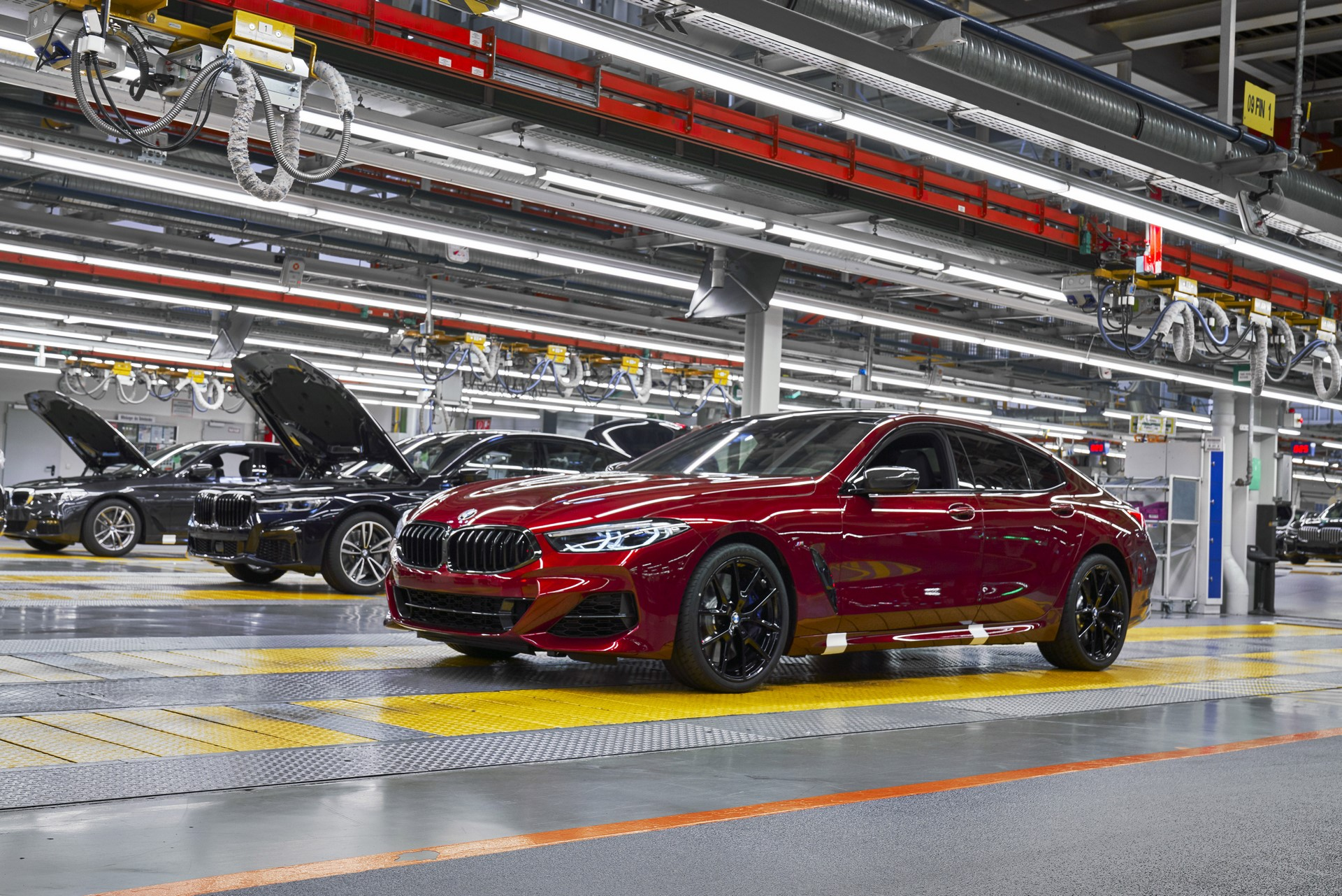 BMW-8-Series-Gran-Coupe-and-BMW-M8-Competition-Coupe-and-Convertible-production-starts-9