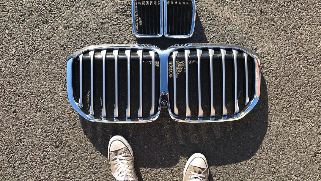 BMW-grille-swap-x7-e30-3-series-10