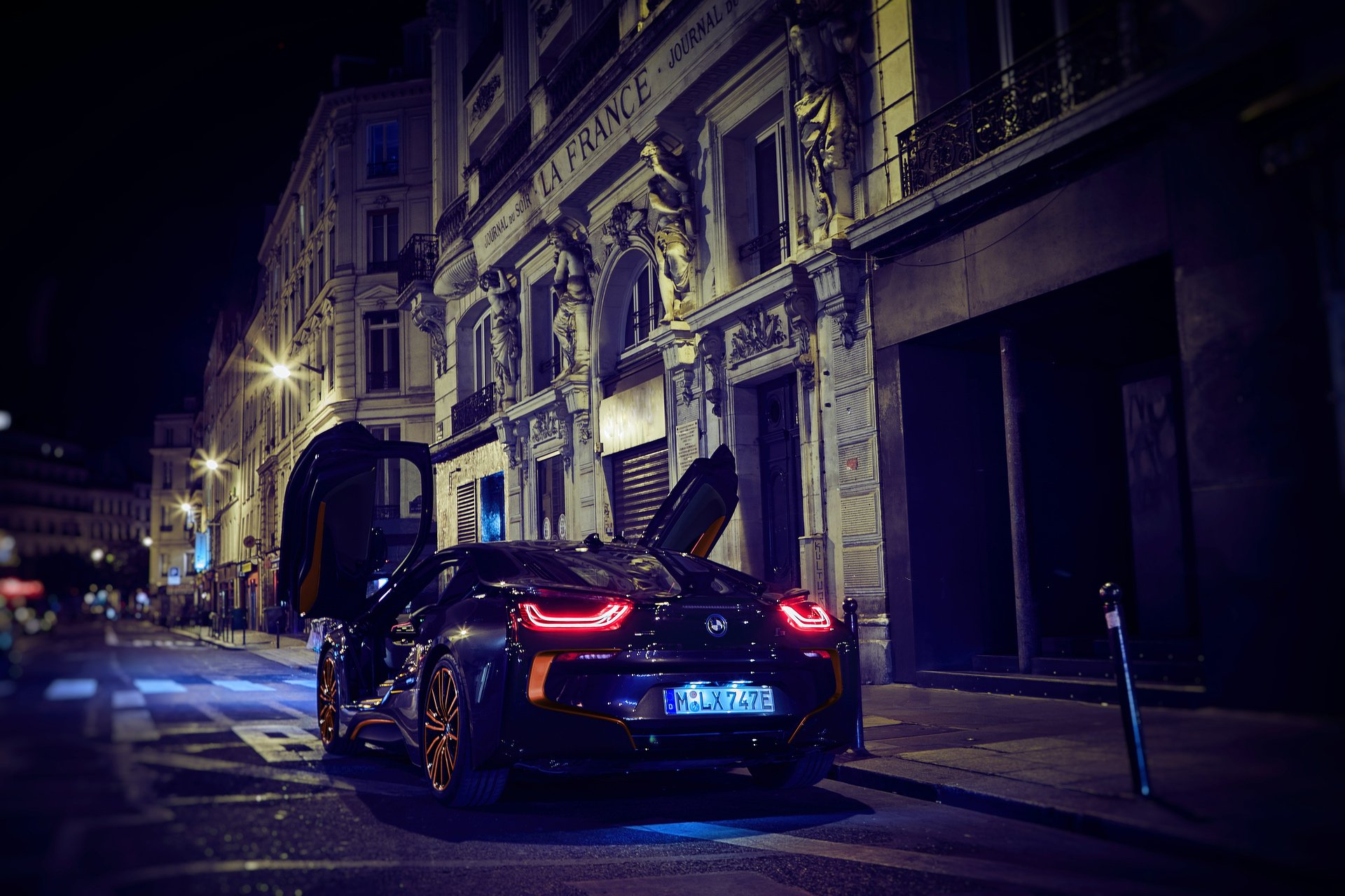 BMW-i3s-Edition-RoadStyle-And-i8-Ultimate-Sophisto-Edition-4