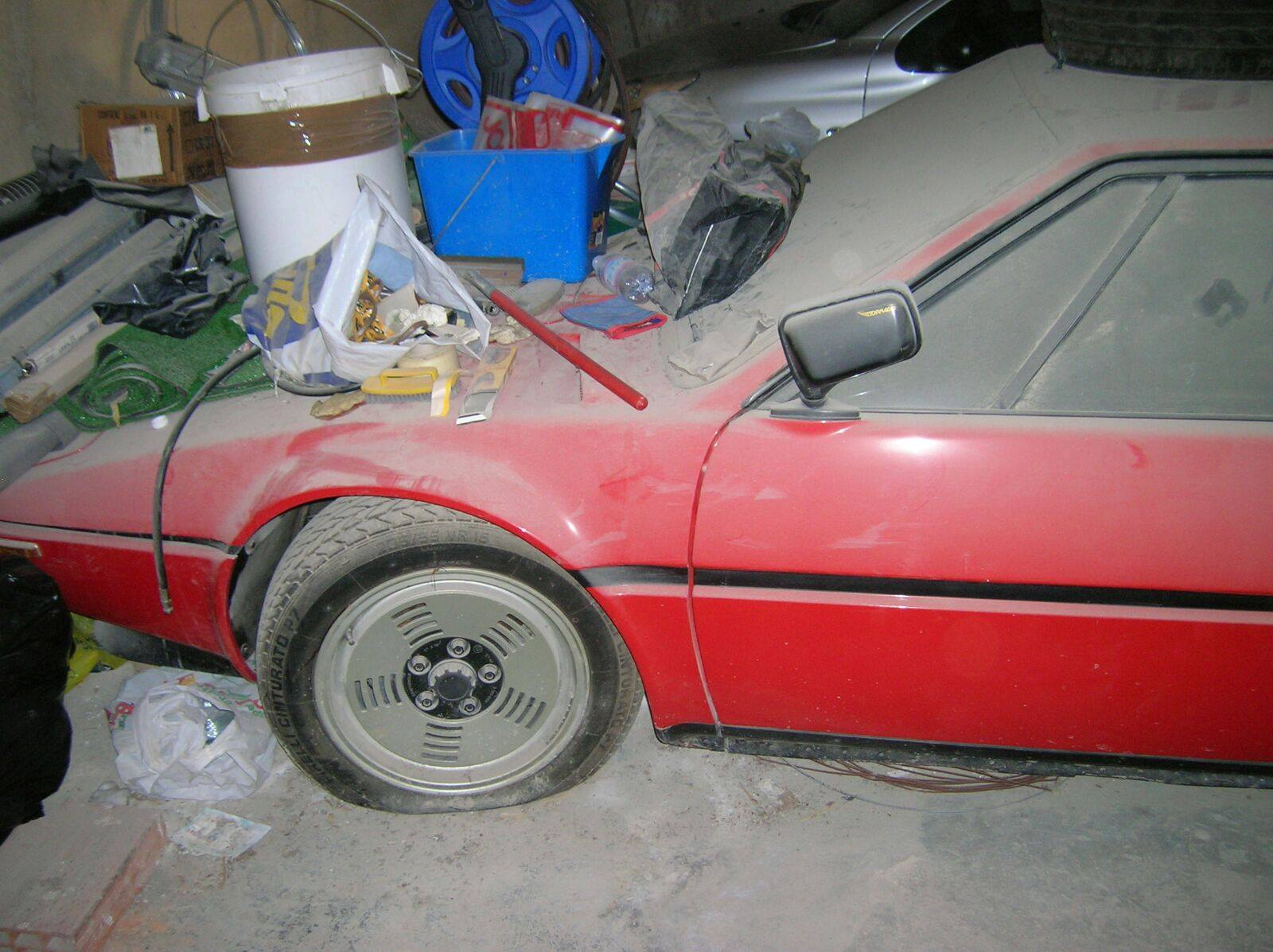 BMW M1 barn find (1)