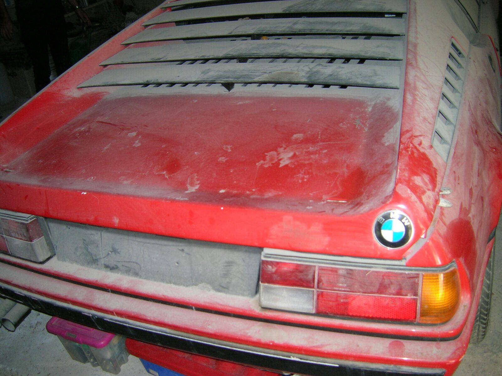 BMW M1 barn find (11)